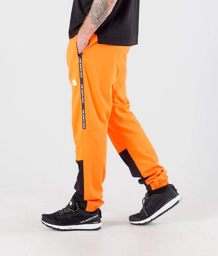The North Face MA Woven Outdoorhosen Tnf Black/Shocking Orange