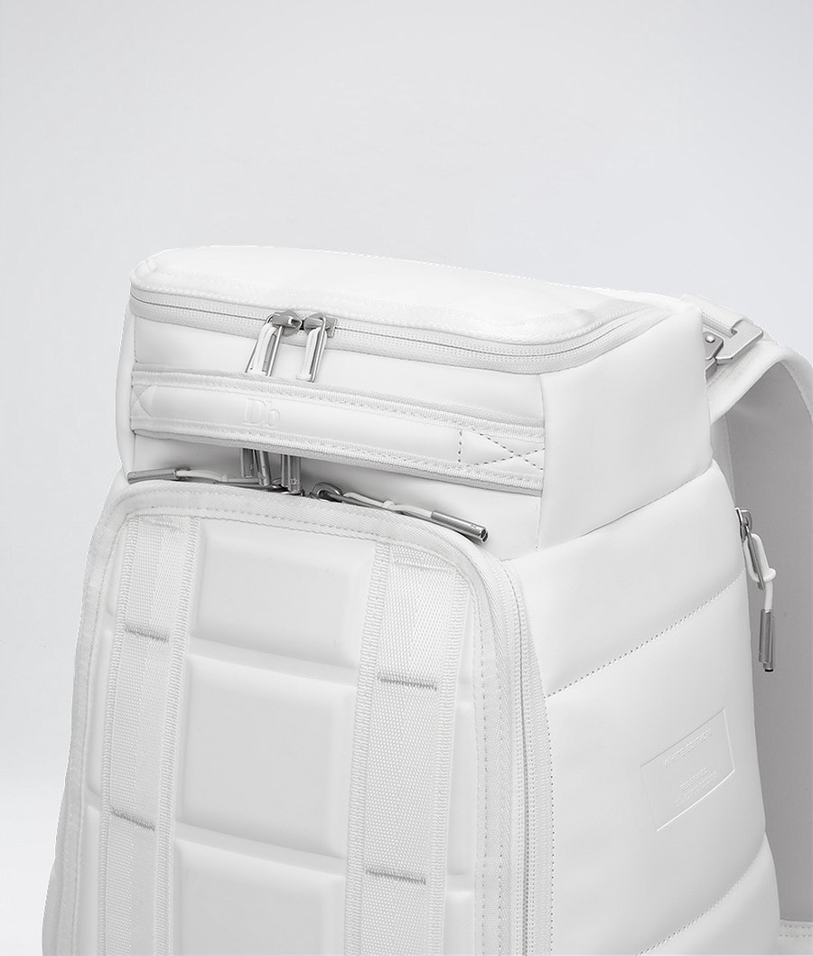 Douchebags The Hugger 20L Bag Whiteout