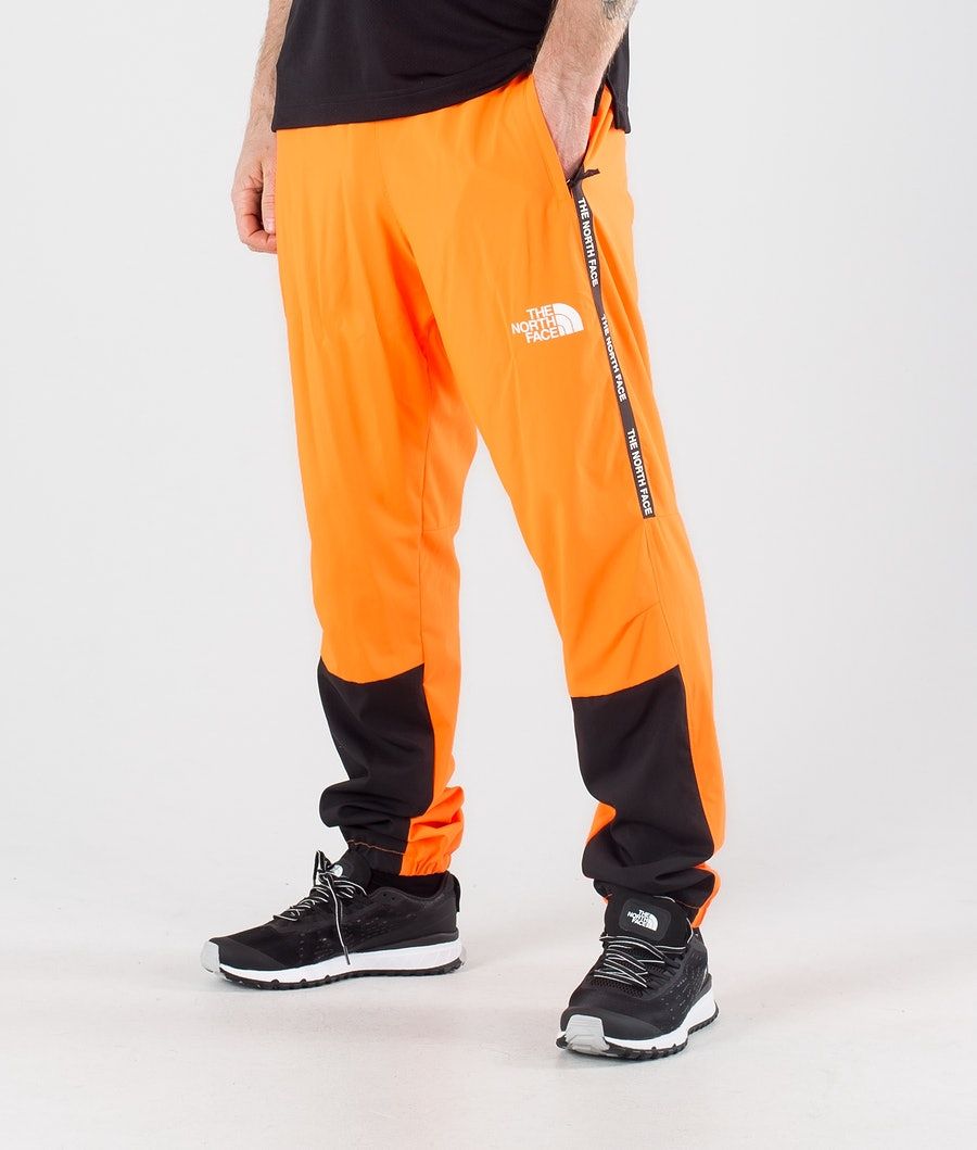 The North Face MA Woven Outdoor Broek Tnf Black/Shocking Orange