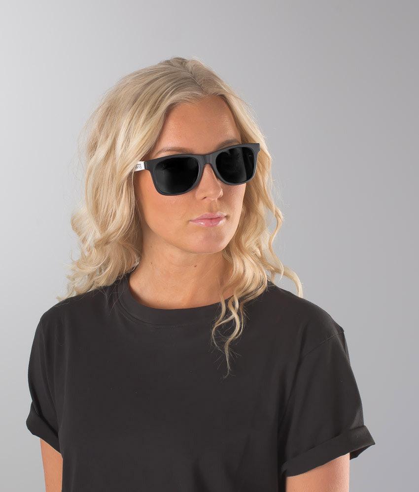 9a8df645f49384 Vans Spicoli 4 Shades Unisex Sunglasses Black-White - Ridestore.com