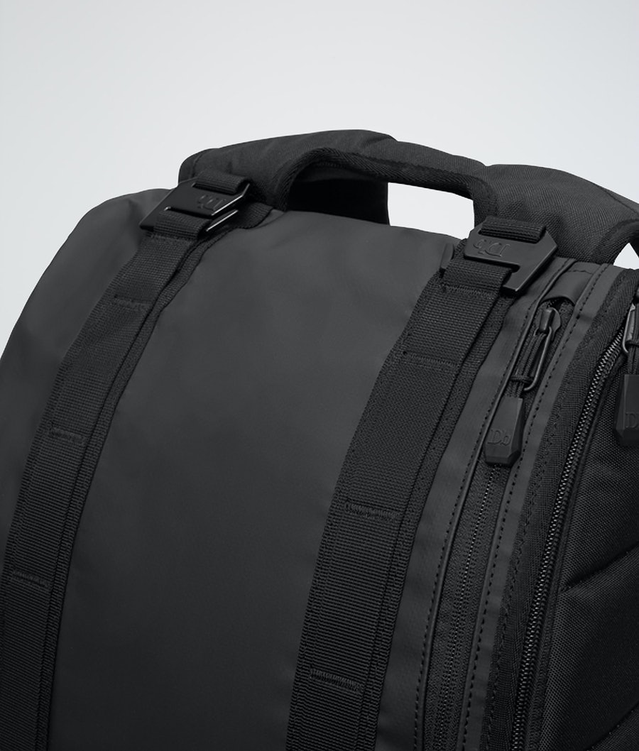Douchebags Base 15L Bag Black Out