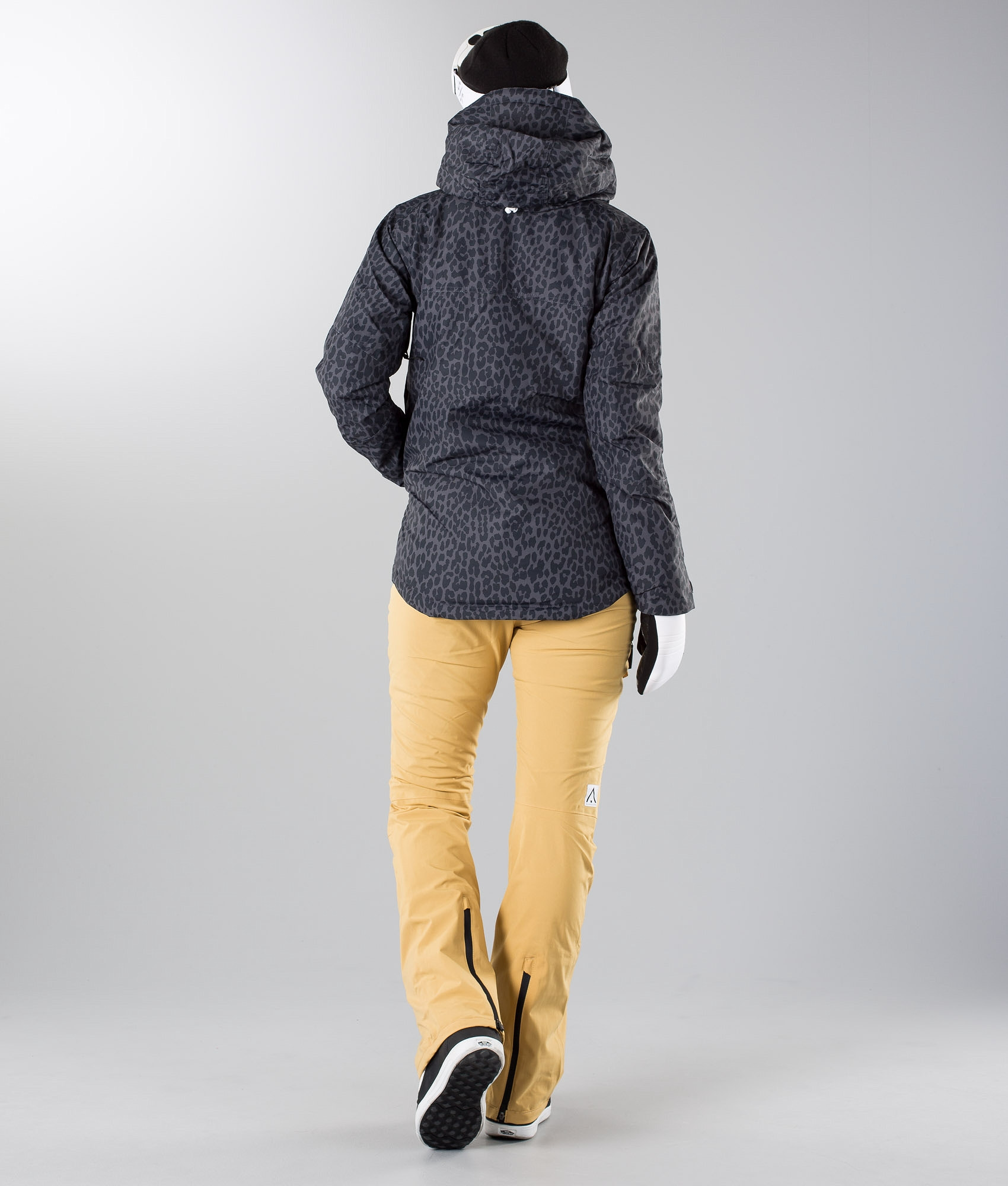 WearColour Homage Snowboard Jacket Black Leo - Ridestore.com 143097d75f