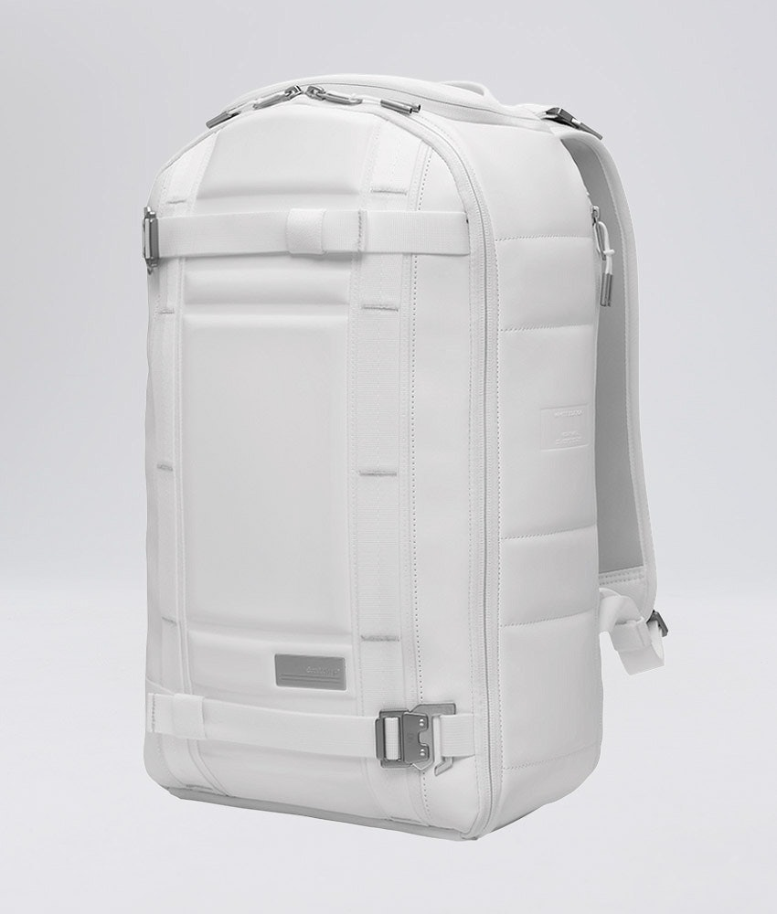 Douchebags The Backpack Sac de Montagne Whiteout