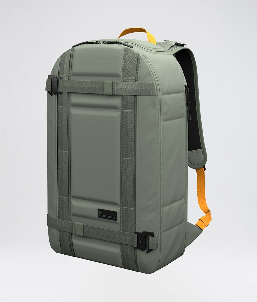 Douchebags The Backpack Väska Snow Sage Green