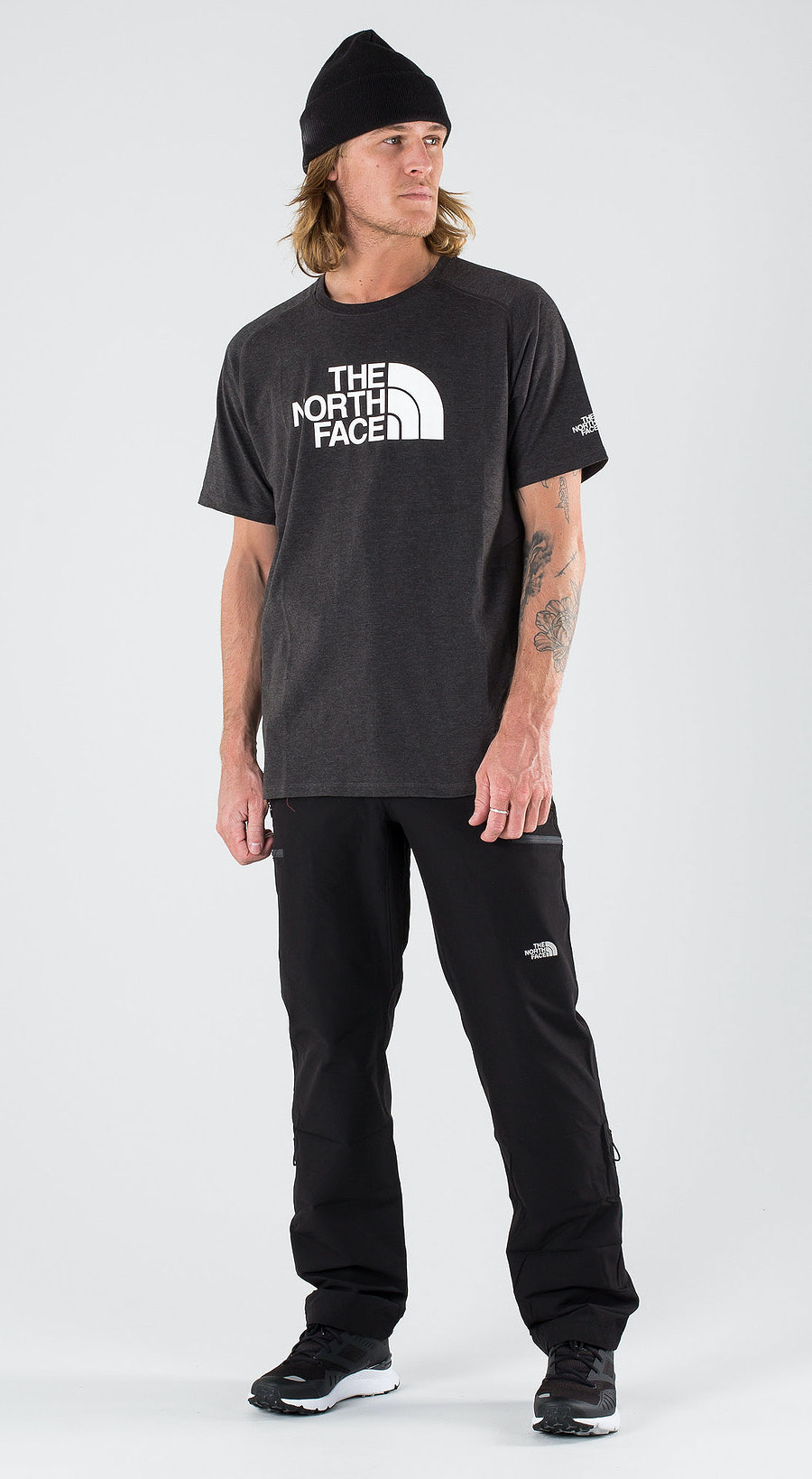 The North Face Wicke Graphi Cr-Eu Tnfdarkgryhtr/Highrisegry Outfit Multi