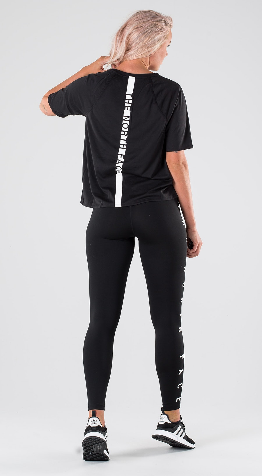 The North Face TNL S/S TNF Black Outfit Multi