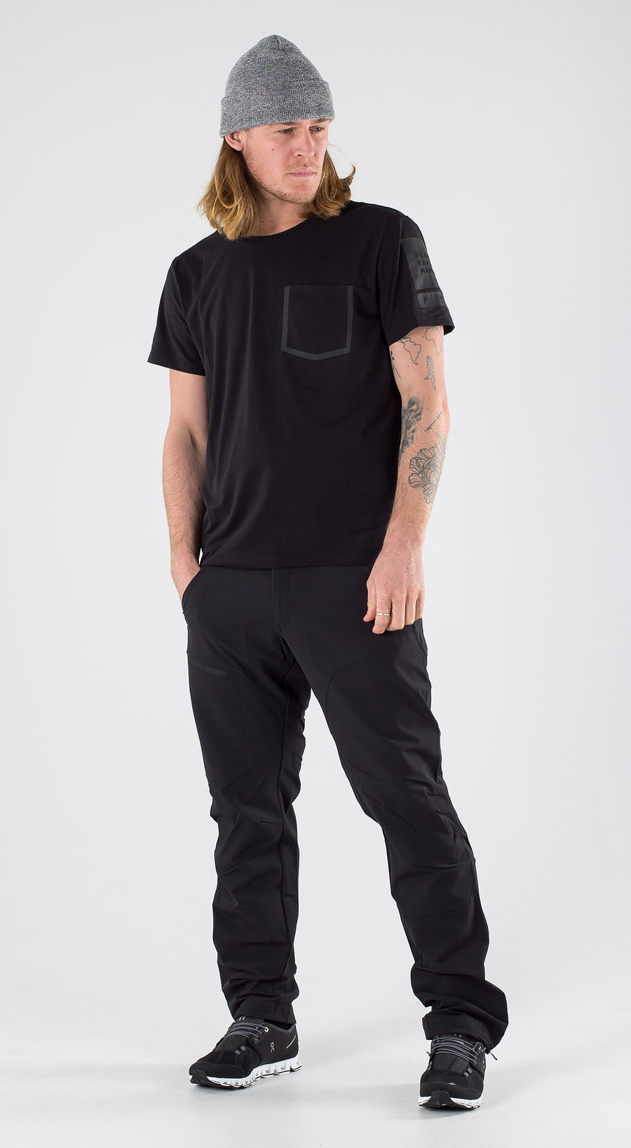Peak Performance 2 0 Tech Tee Black Outfit Multi