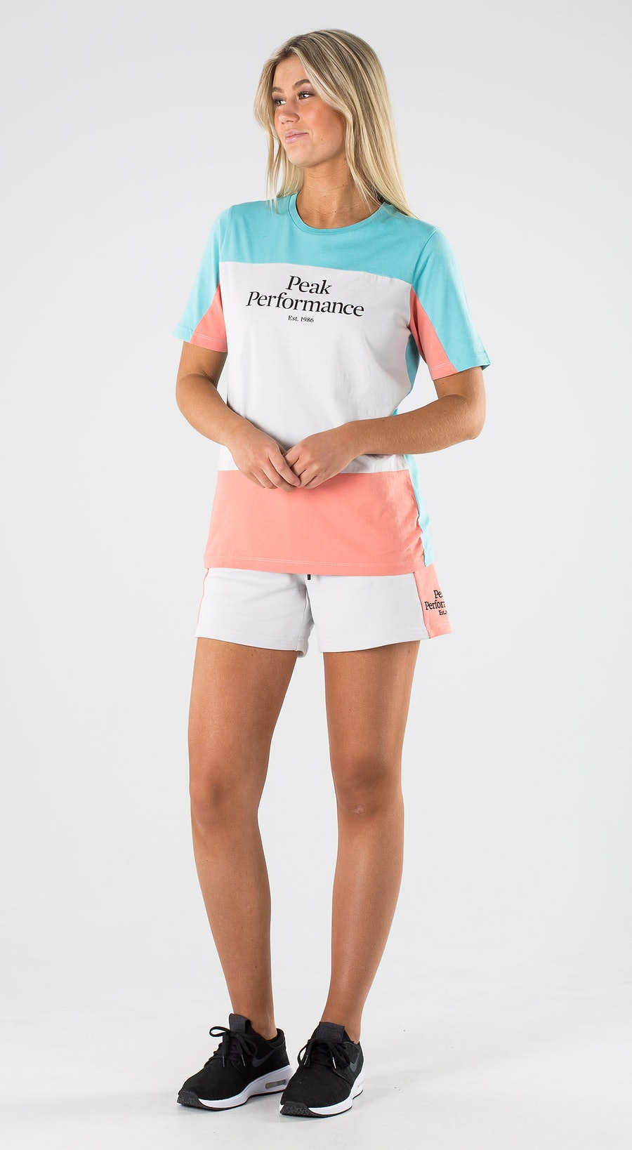 Peak Performance Original Blocked Tee Antarctica Outfit Multi