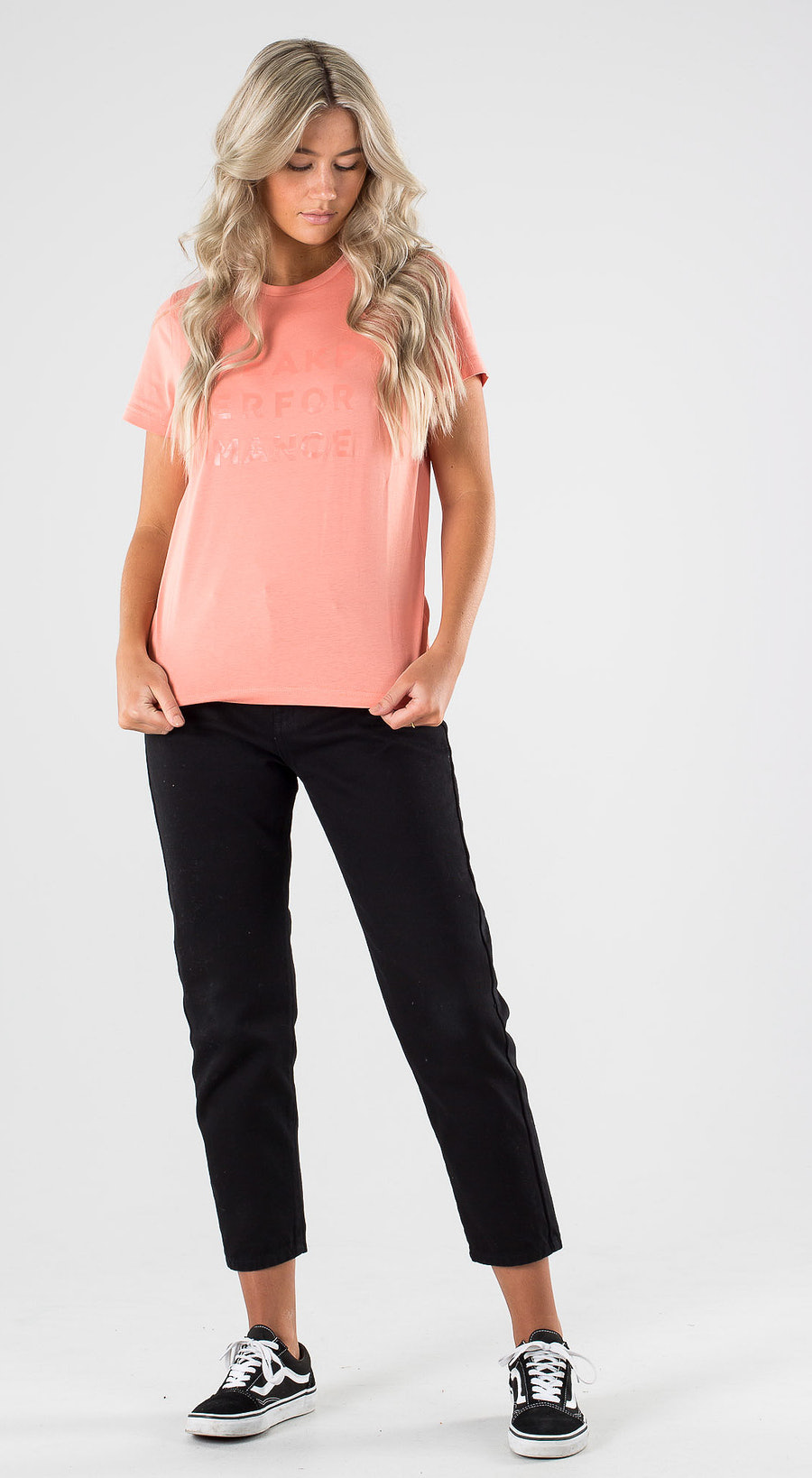 Peak Performance Ground Tee 1 Perched Outfit Multi