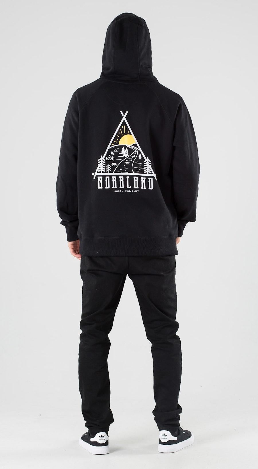 SQRTN Traingle Black Outfit Multi