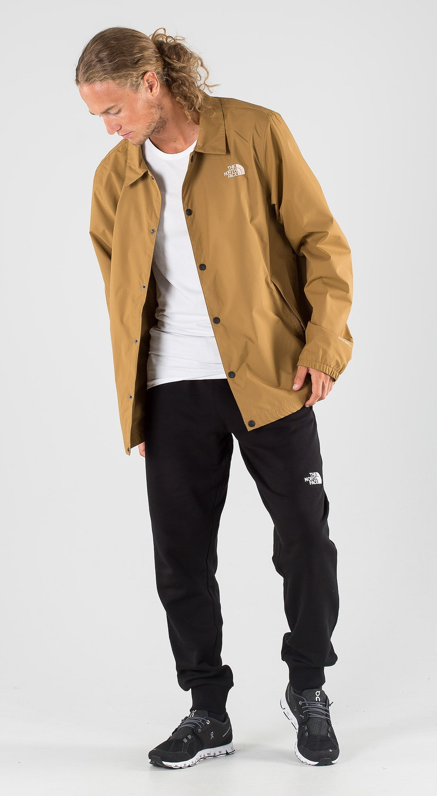The North Face Walls Are Meant For Climbing Coaches Utility Brown Outfit Multi