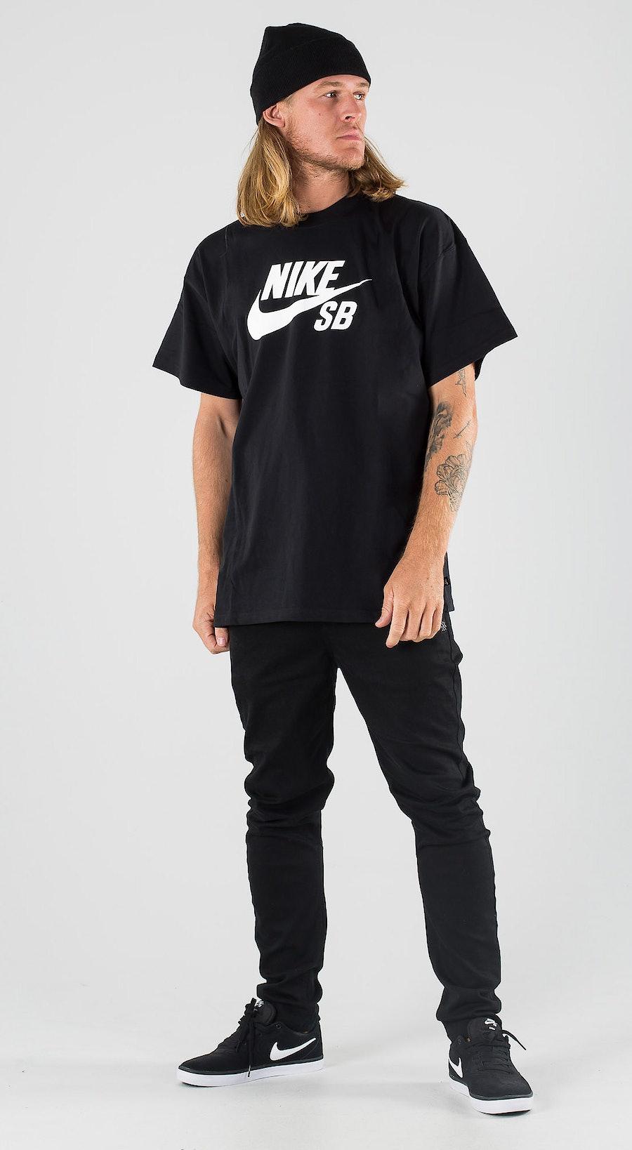 Nike SB Skate Tee Logo Black/White Outfit Multi