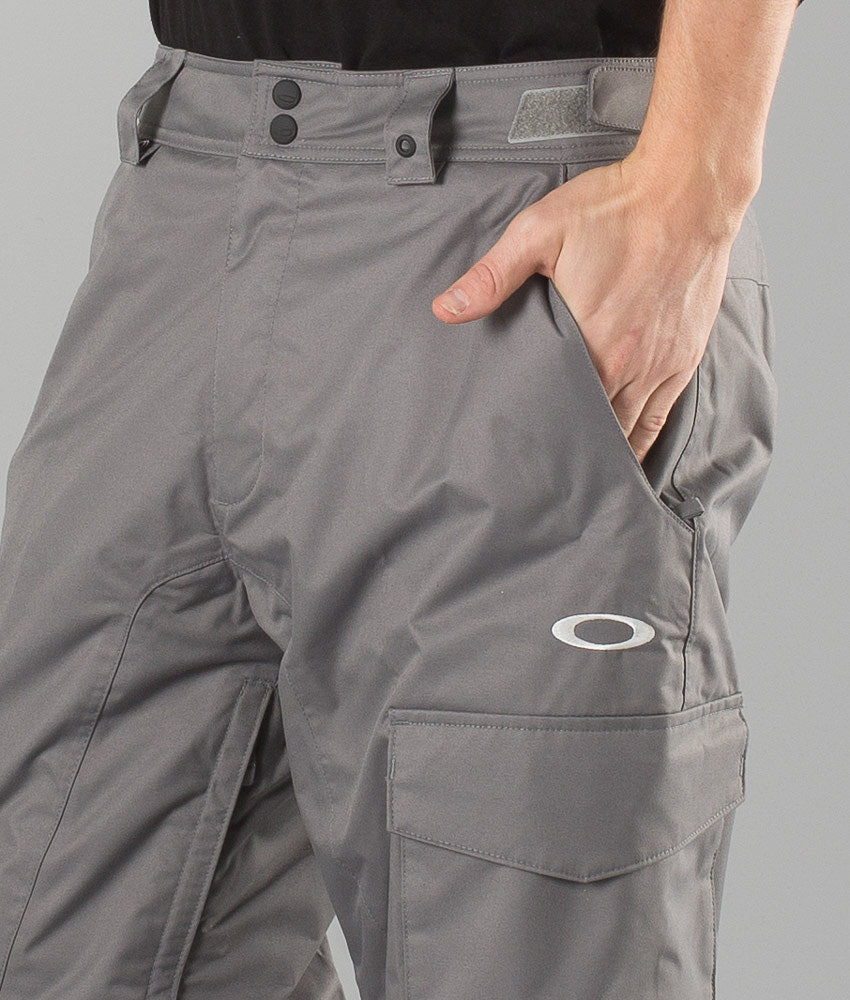 cbf0114f83 Oakley Task Force Shell Cargo Pantaloni da snowboard Grigio Scuro ...