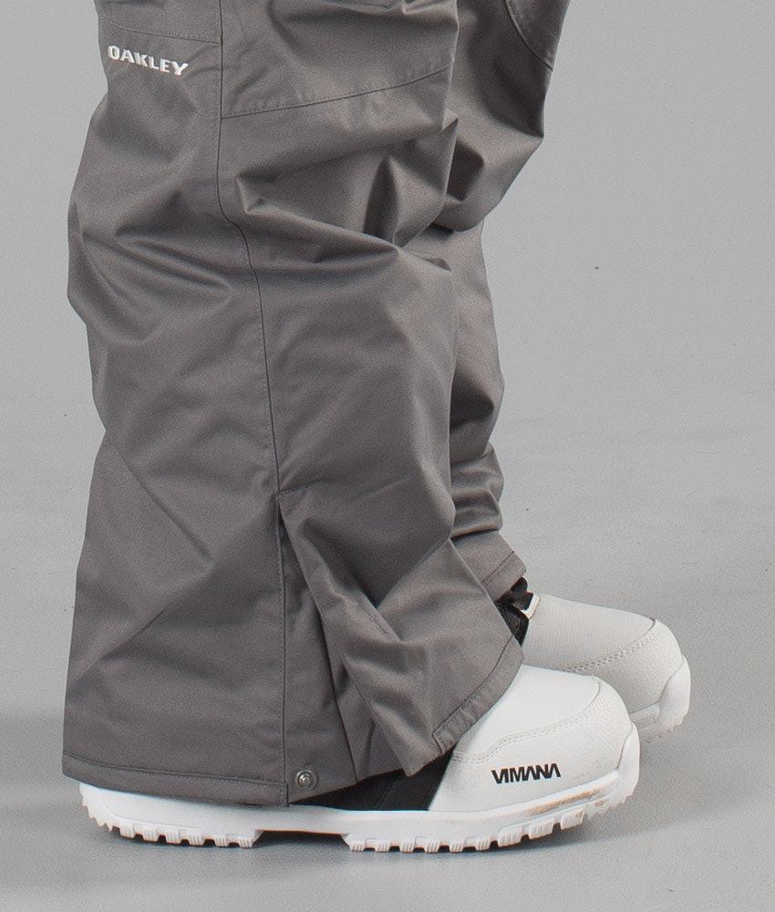 73041755f2 Oakley Task Force Shell Cargo Snow Pants Grigio Scuro - Ridestore.com