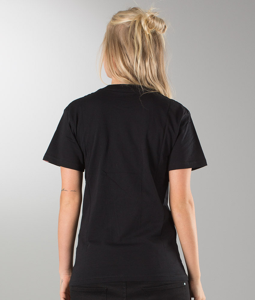 Kjøp Classic Unisex T-shirt fra Vans på Ridestore.no - Hos oss har du alltid fri frakt, fri retur og 30 dagers åpent kjøp!