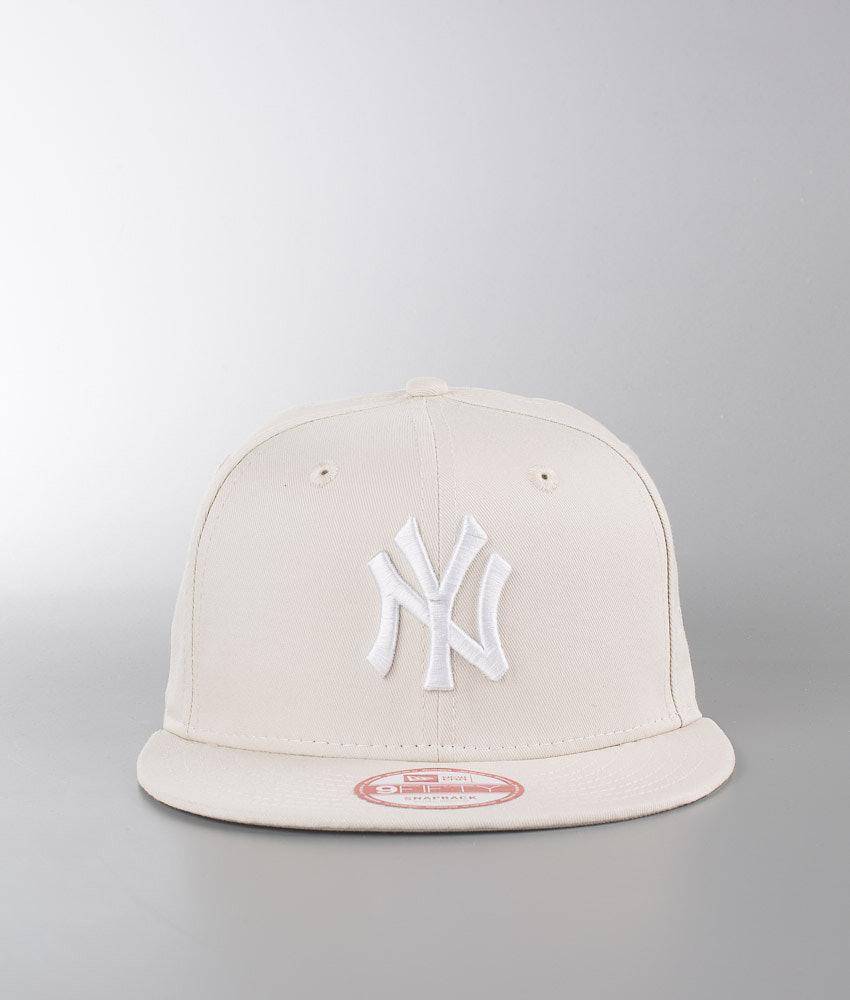 bca6dbf19f7 New Era League Essential 950 Cap New York Yankees - Stone White ...