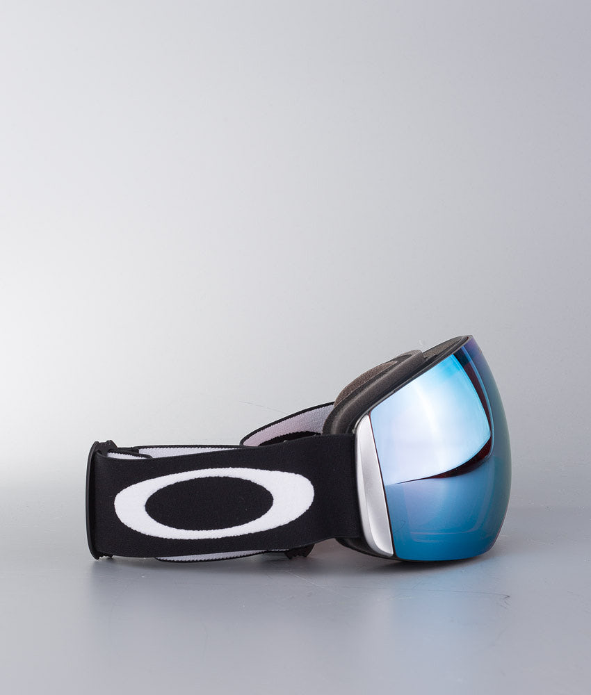 Buy Flight Deck Ski Goggle from Oakley at Ridestore.com - Always free shipping, free returns and 30 days money back guarantee