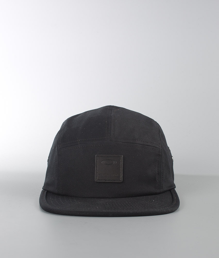 Oakley Latch 5 Panel Cap Blackout - Ridestore.com 3c6606386a1