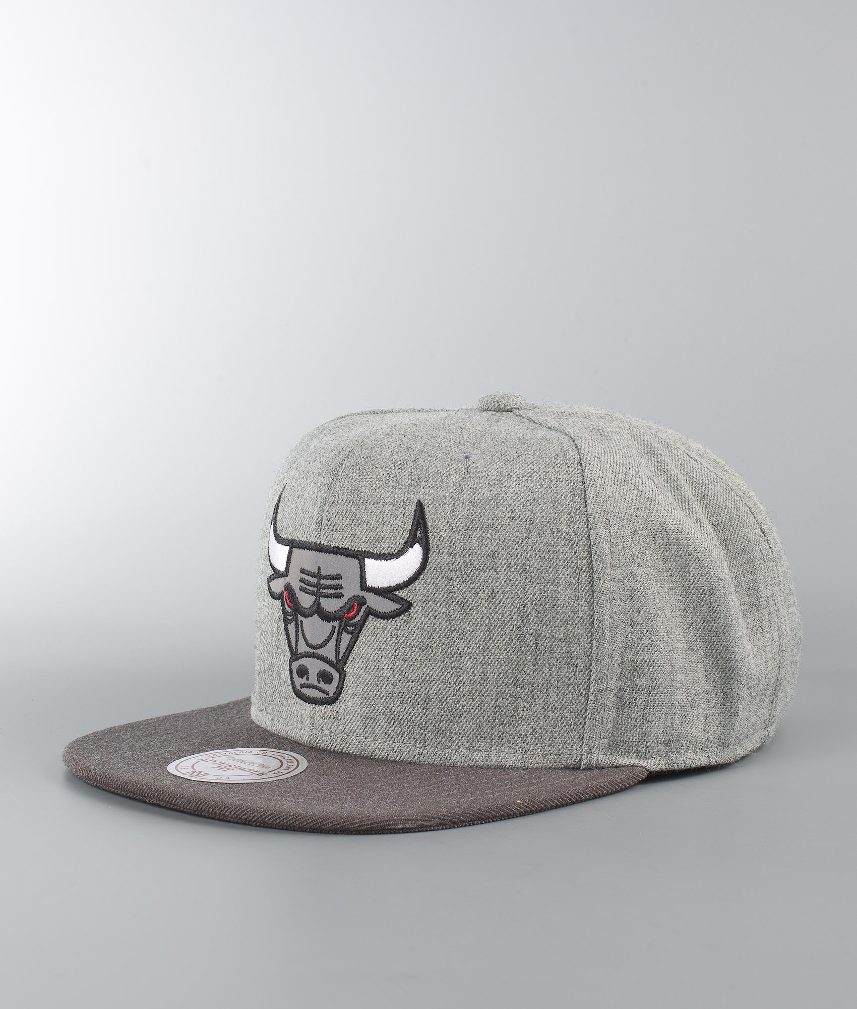 56c34ec7234 Mitchell and Ness Heather Reflective - Chicago Bulls Cap Grey ...