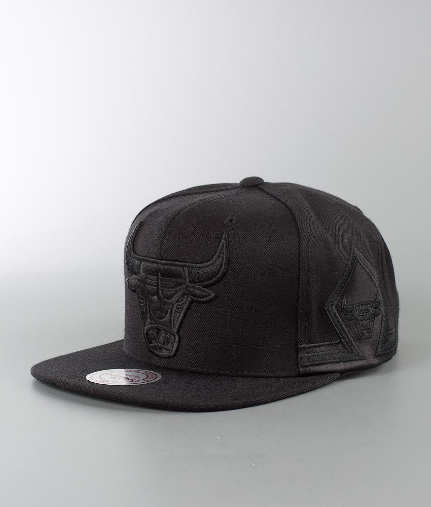 f8a280913ea Mitchell and Ness Tonal Short Hook - Chicago Bulls Cap Black ...