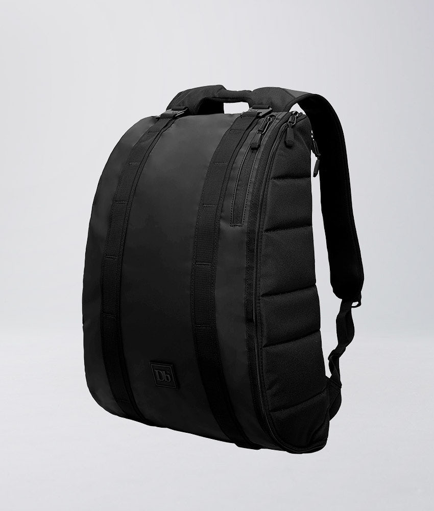 Douchebags Base 15L Tasche Black Out