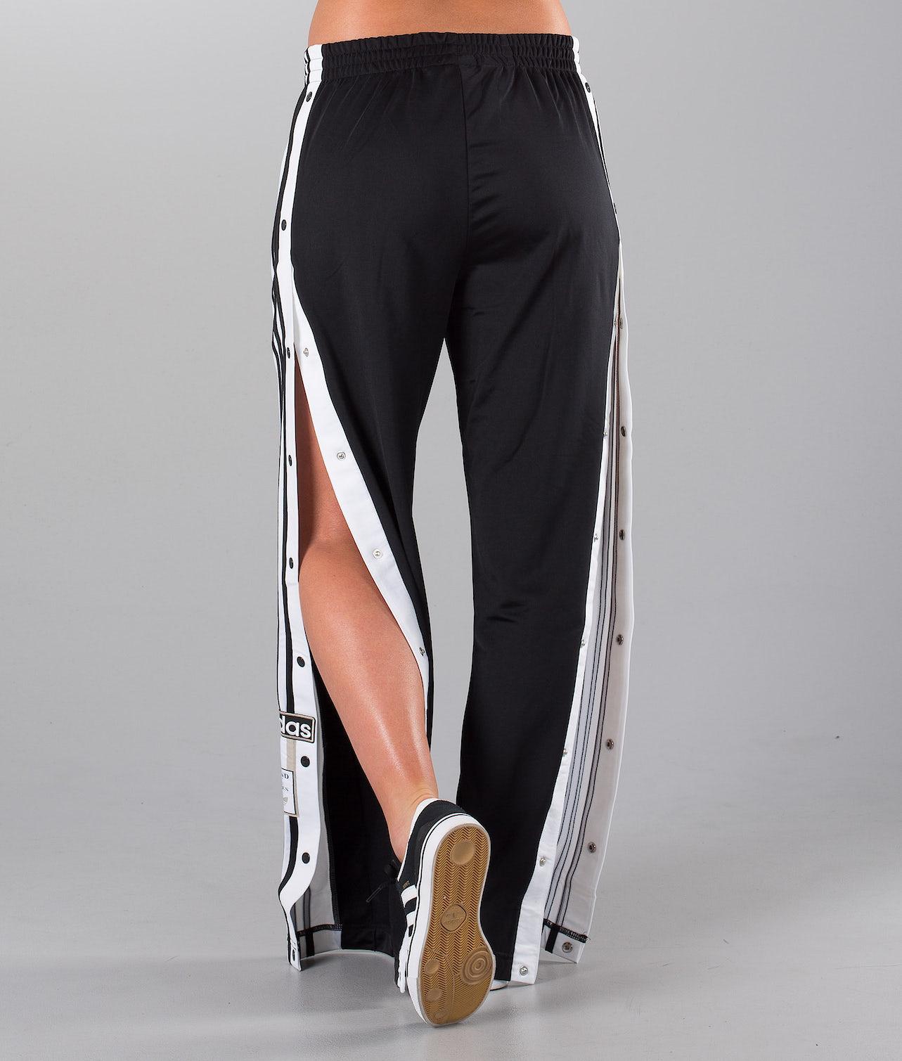 Köp Adibreak  Byxa från Adidas Originals på Ridestore.se Hos oss har du alltid fri frakt, fri retur och 30 dagar öppet köp!