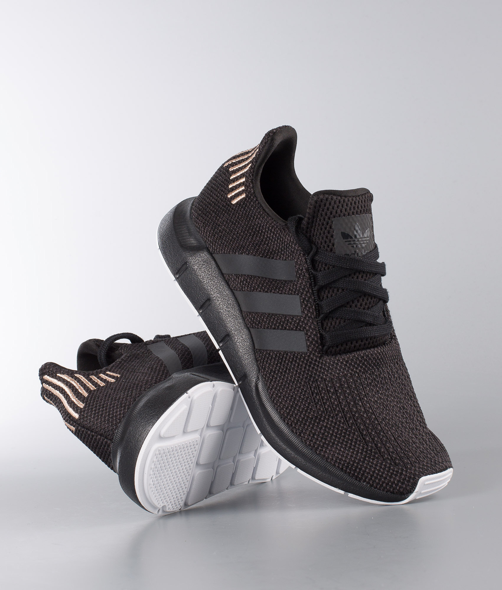 919370fcca75a9 Adidas Originals Swift Run W Shoes Core Black Carbon Ftwr White ...