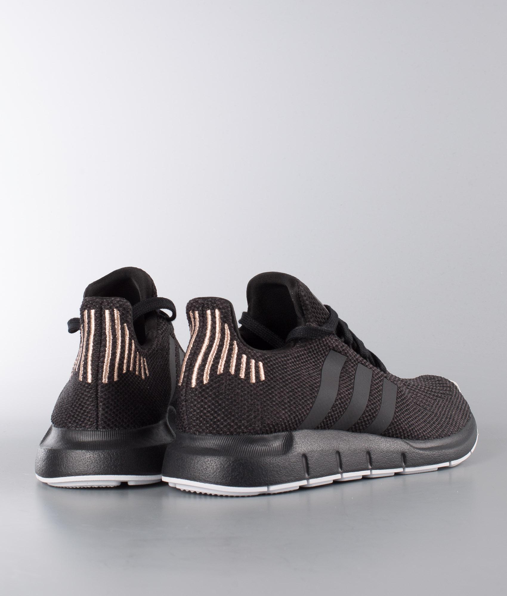 Originals Blackcarbonftwr W Core White Swift Shoes Run Adidas xHd7fRx