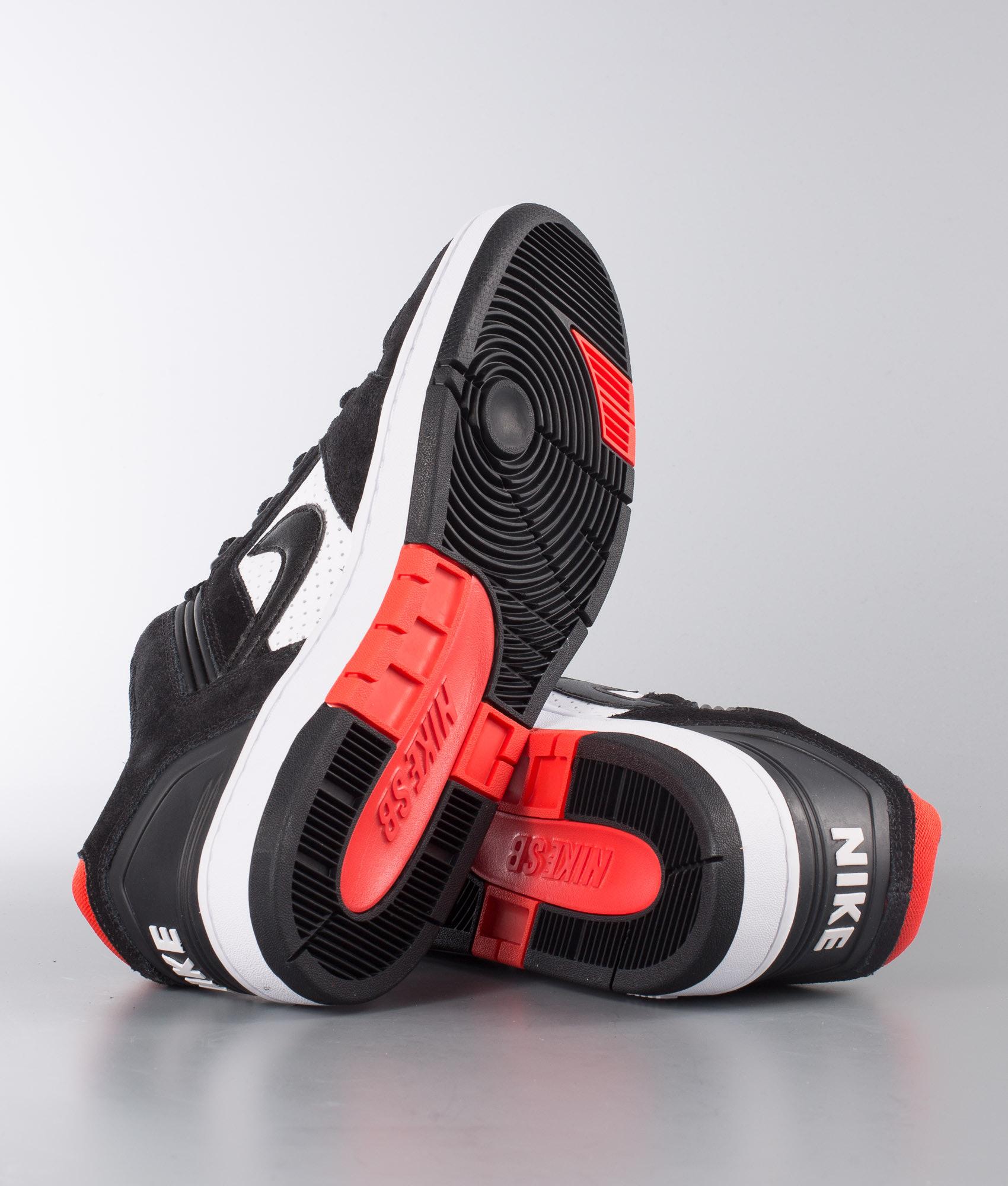 sports shoes 9feed a737c Nike Air Force II Low Skor