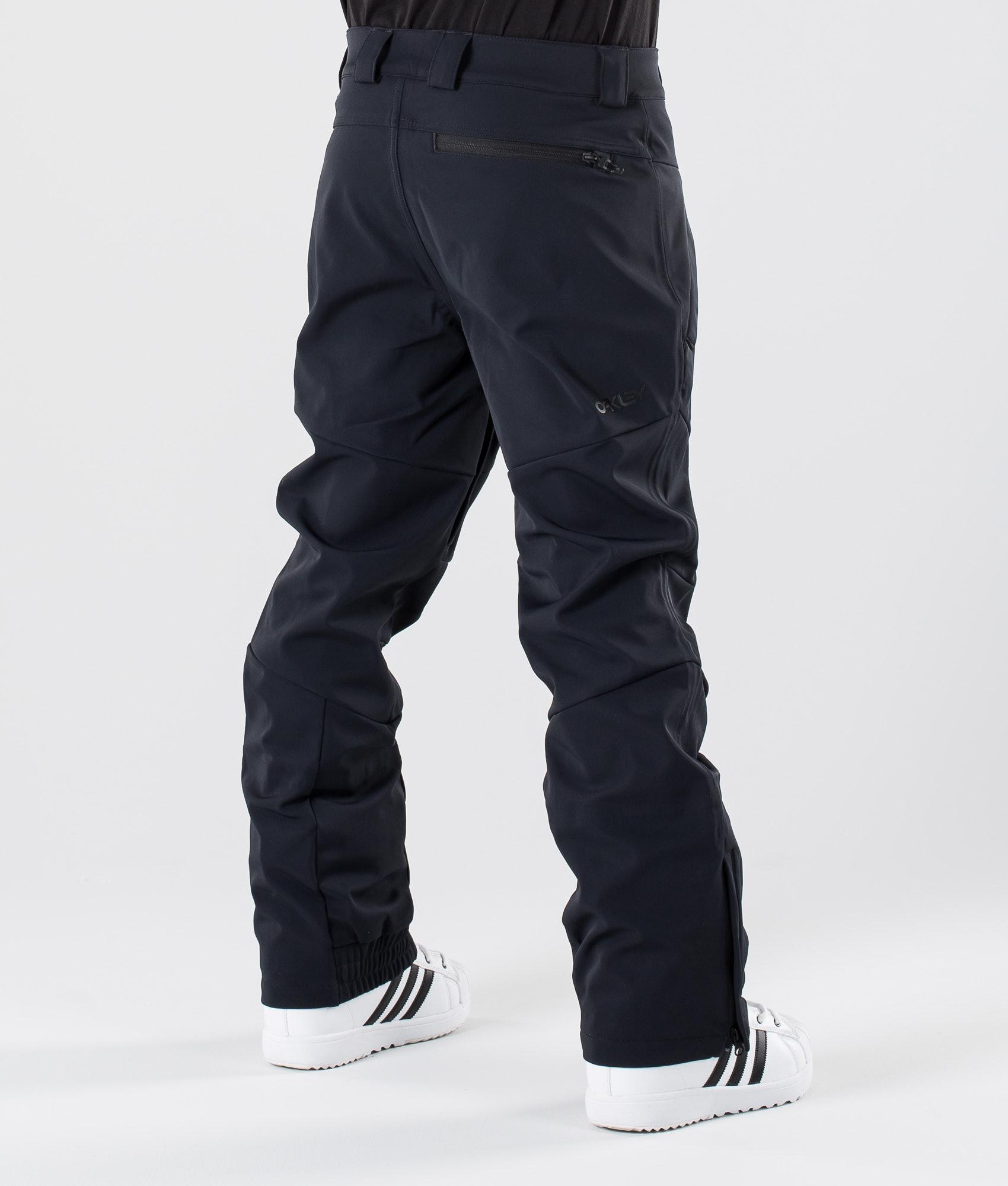 6d475eea7d Oakley Soft Shell 10K Snow Pants Blackout - Ridestore.com