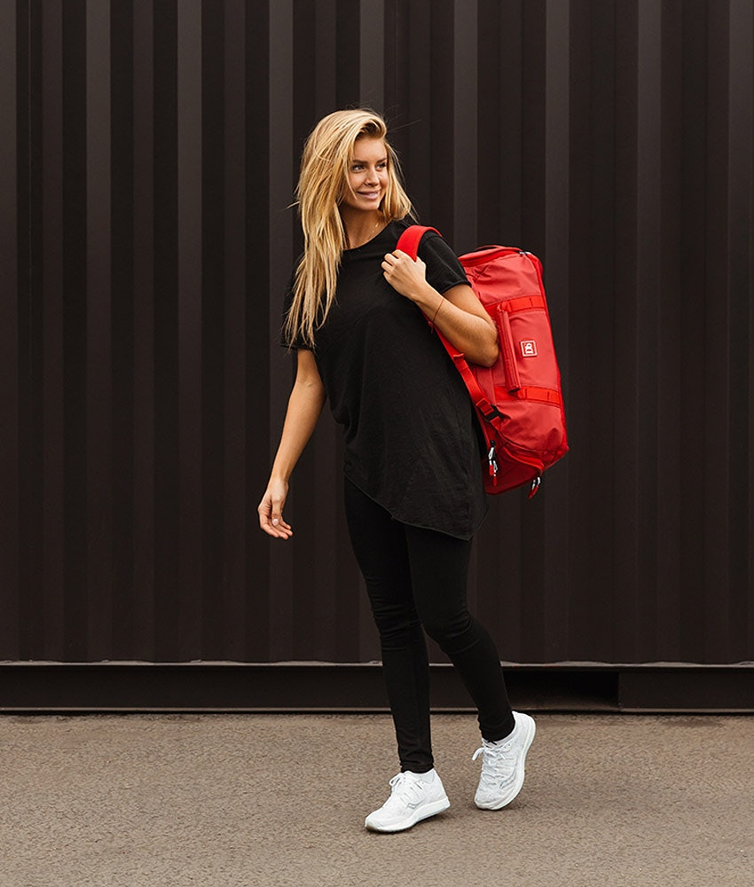 Douchebags The Carryall 40L Väska Scarlet Red
