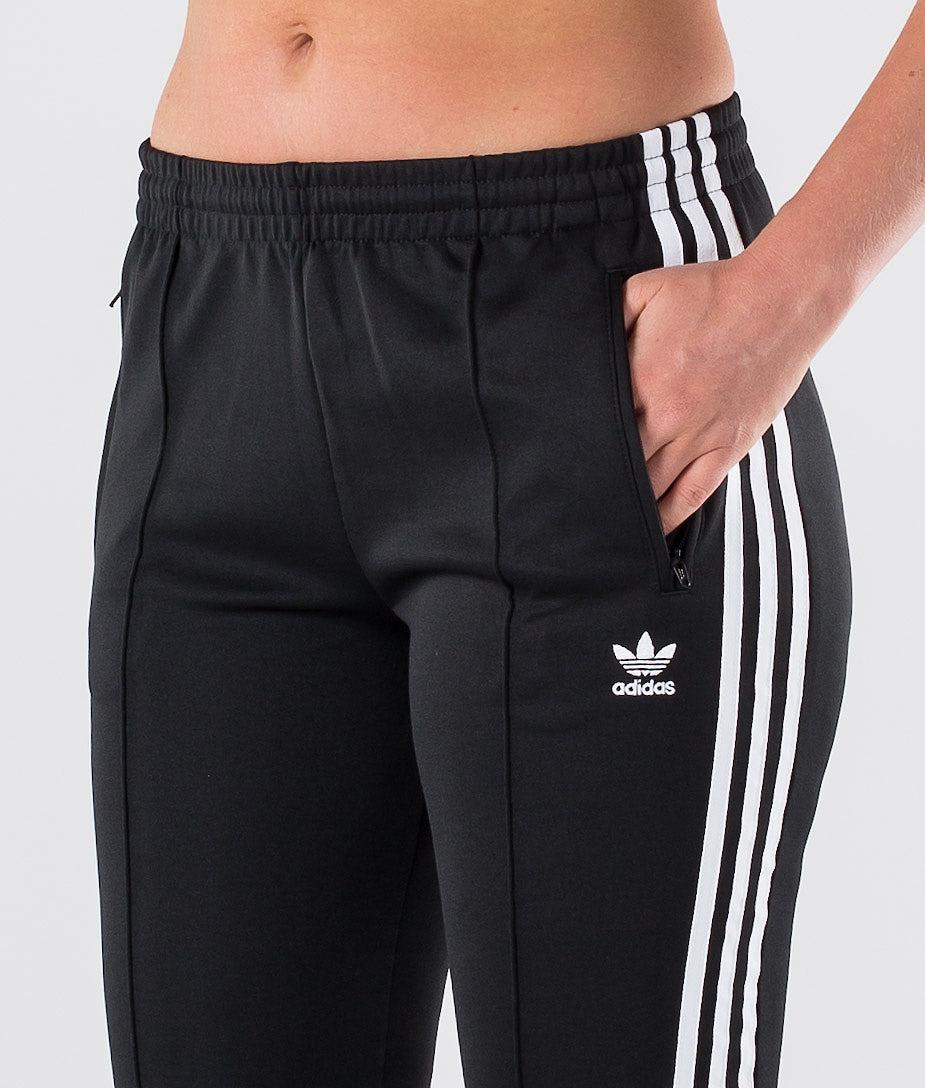 Sst Tp | Achète des Pantalon de chez Adidas Originals sur Ridestore.fr | Bien-sûr, les frais de ports sont offerts et les retours gratuits pendant 30 jours !