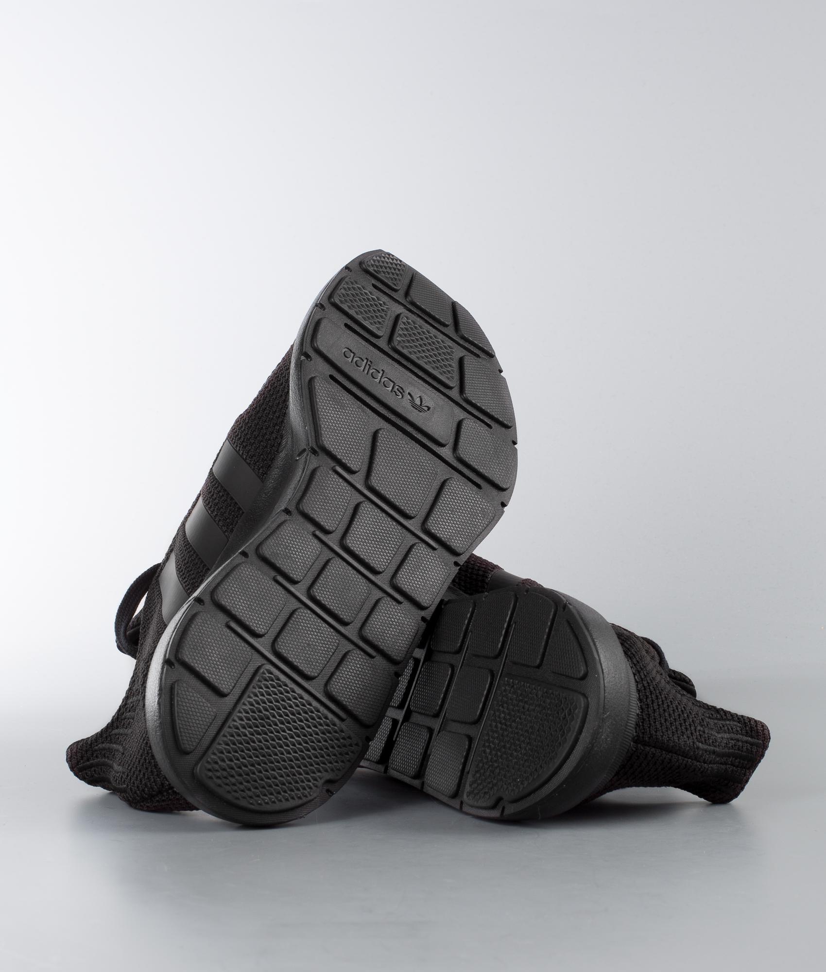 Adidas Originals Blackcore Schuhe Swift Core Run White Blackftwr mw08nN
