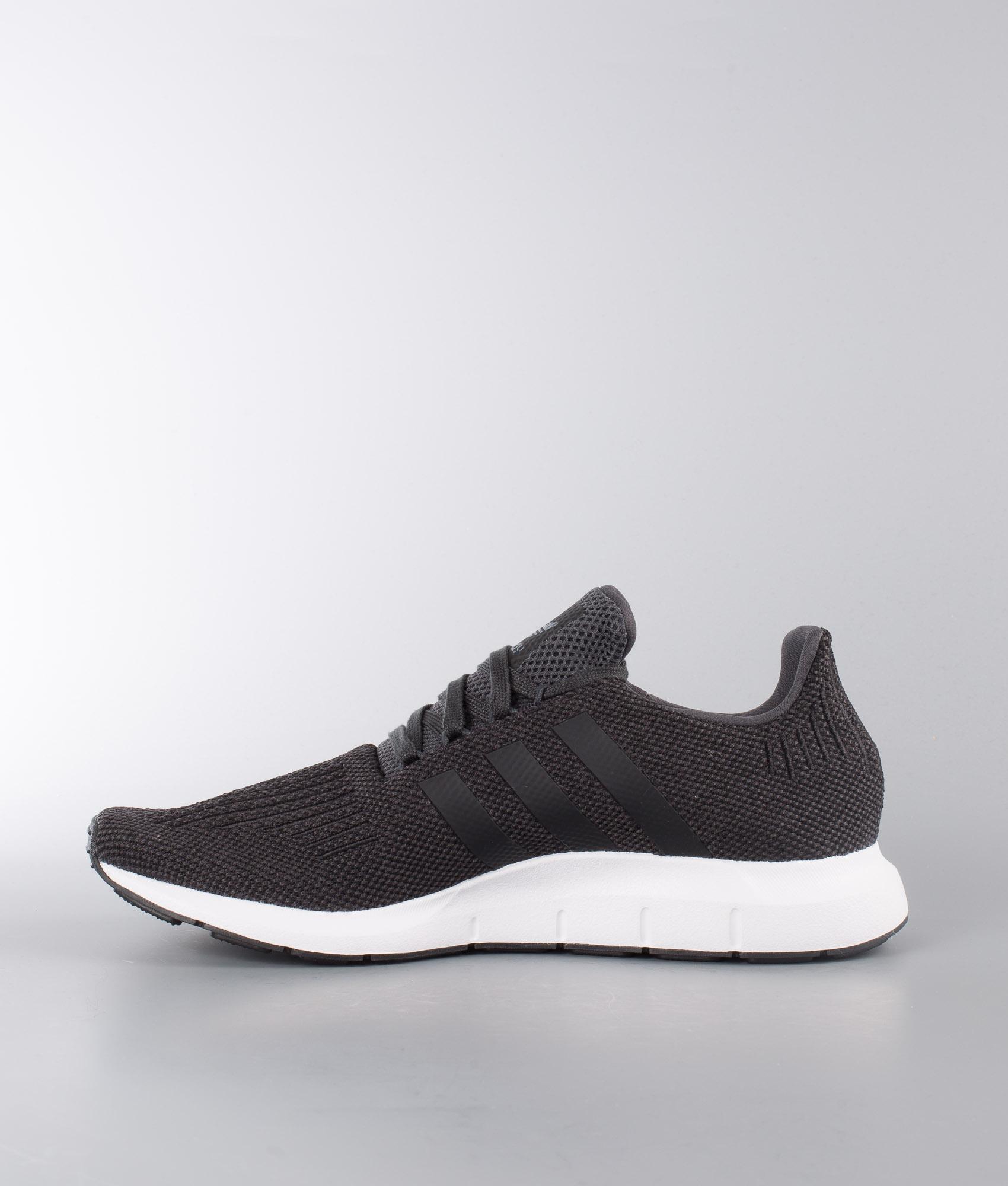 Run Schuhe Blackmedium Grey Swift Originals Carboncore Heather Adidas Ybv6f7gy