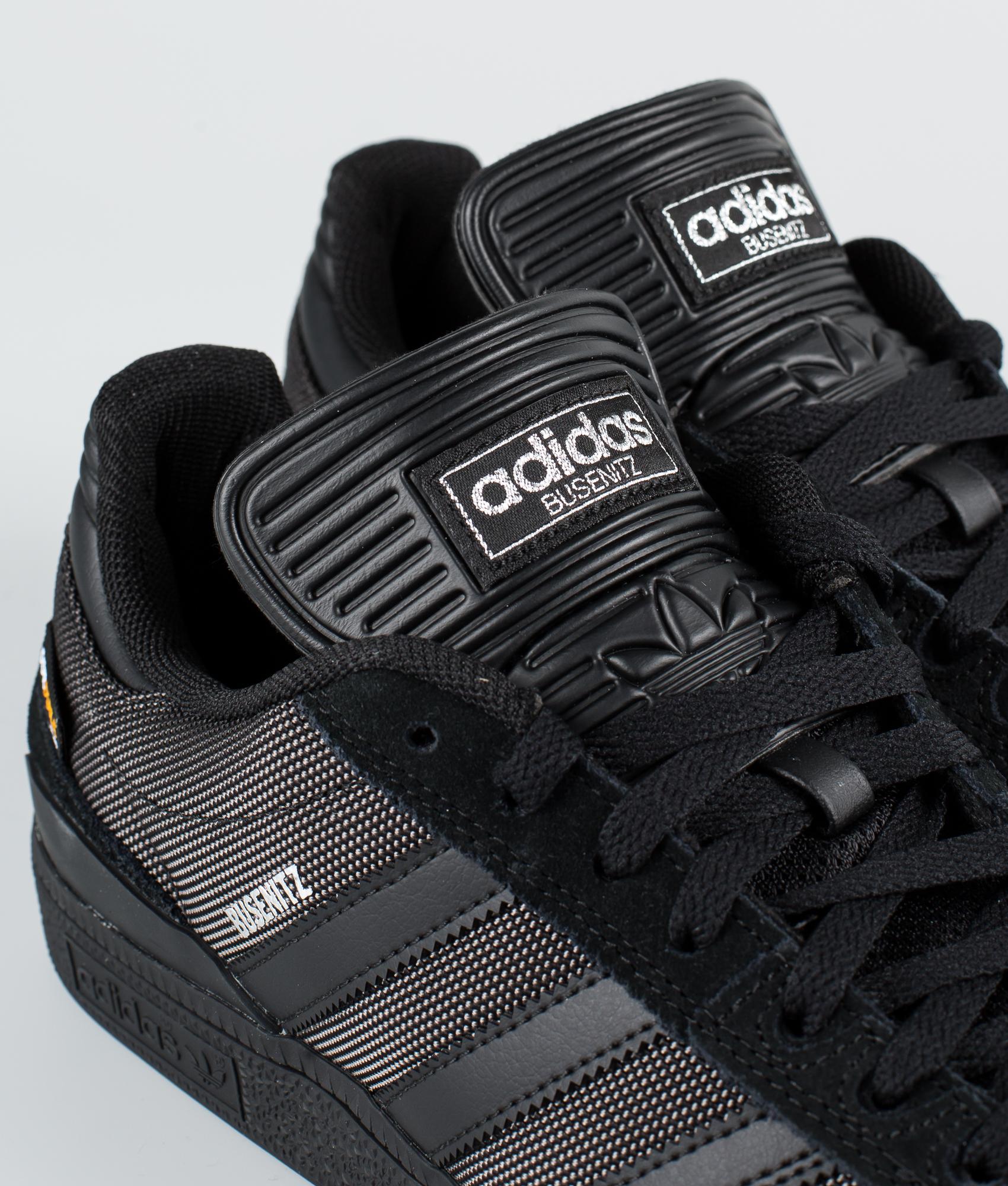Køb Campus Core Black fra Adidas hos spar 5%!