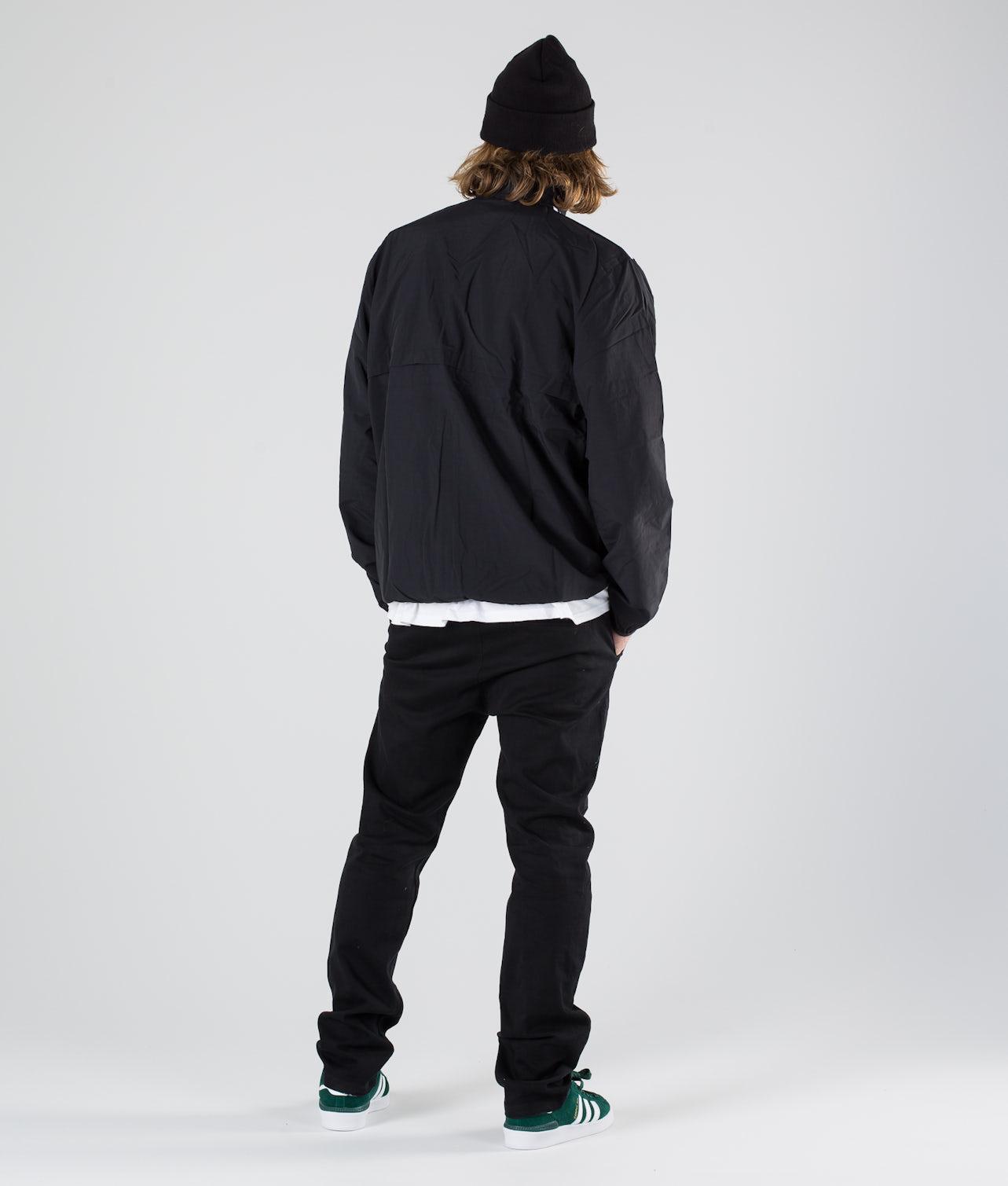 Kjøp Class Action Jakke fra Adidas Skateboarding på Ridestore.no - Hos oss har du alltid fri frakt, fri retur og 30 dagers åpent kjøp!
