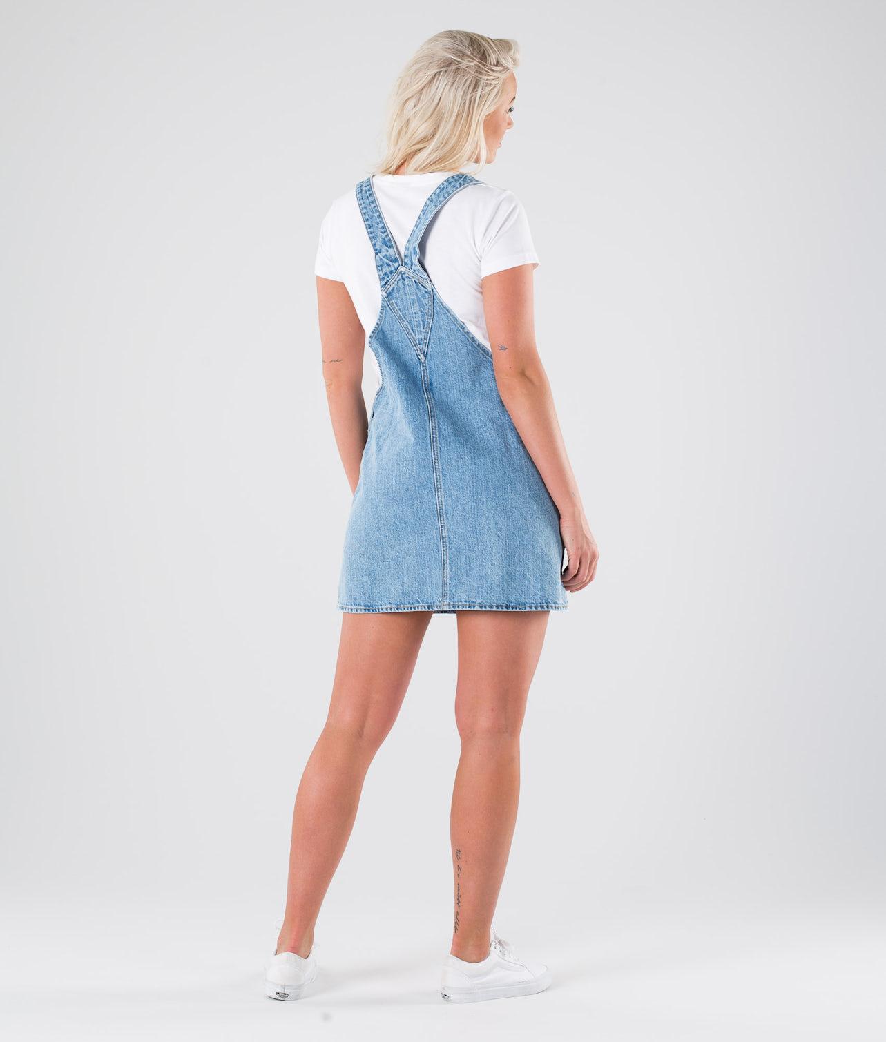 Kjøp Eir Dungaree Dress Kjole fra Dr Denim på Ridestore.no - Hos oss har du alltid fri frakt, fri retur og 30 dagers åpent kjøp!