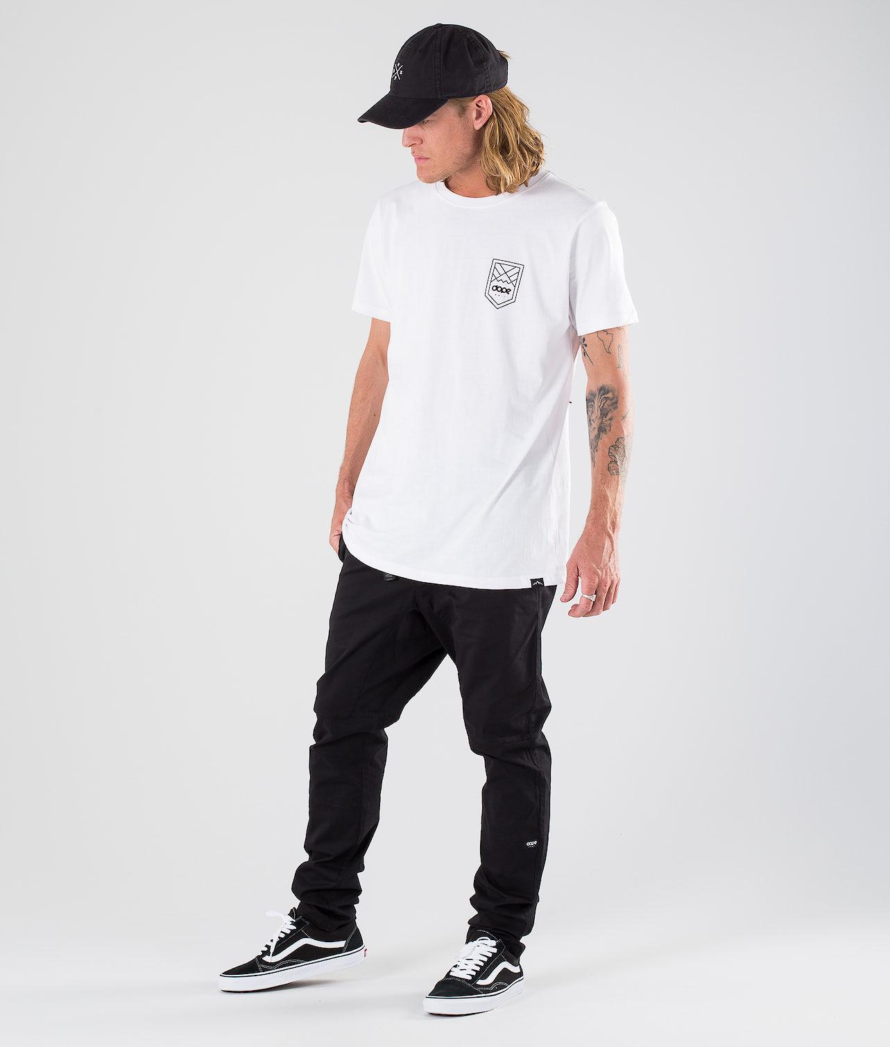 Kjøp Shield T-shirt fra Dope på Ridestore.no - Hos oss har du alltid fri frakt, fri retur og 30 dagers åpent kjøp!