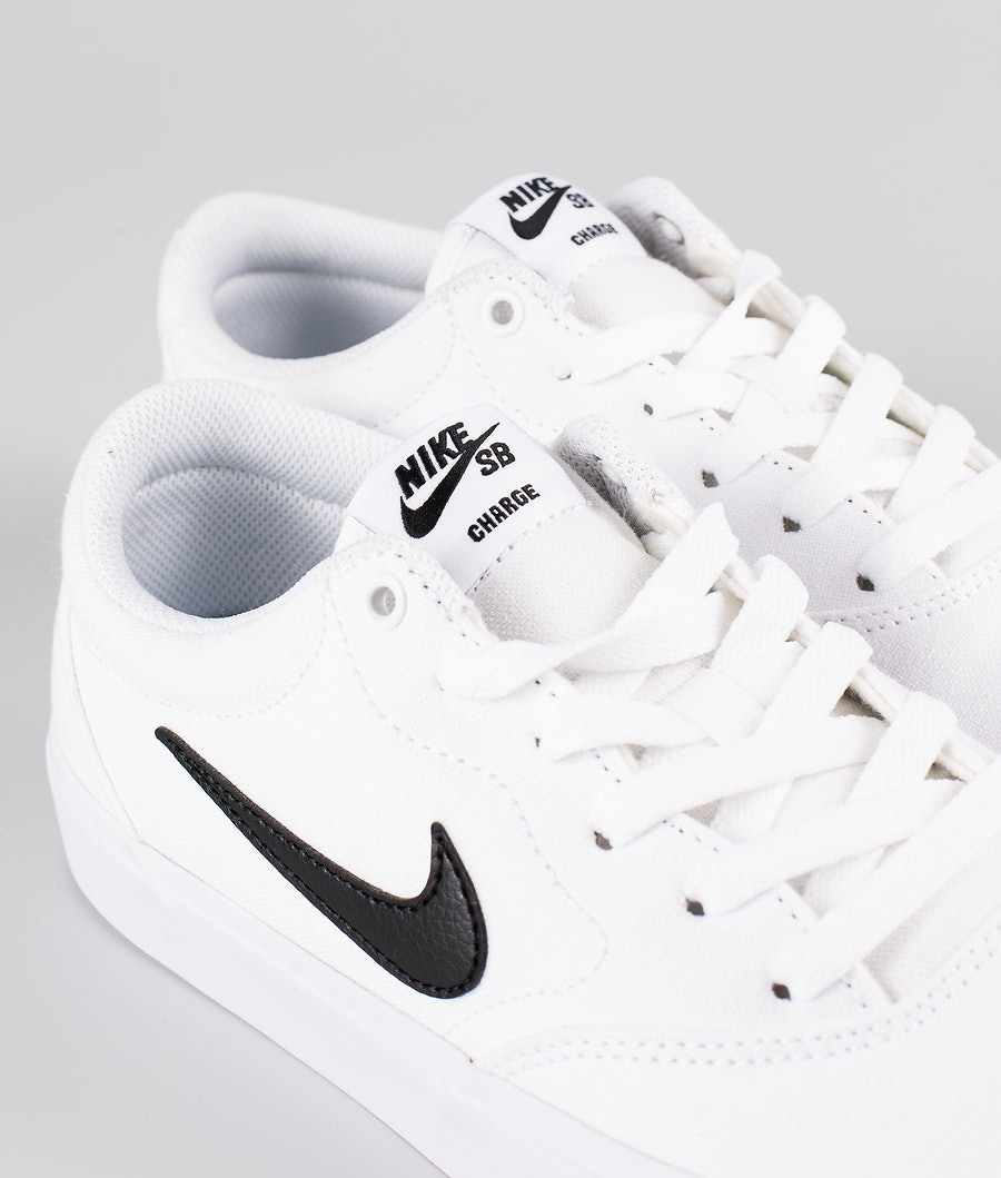 Nike SB Charge Canvas Shoes White/Black-White-Gum Light Brown
