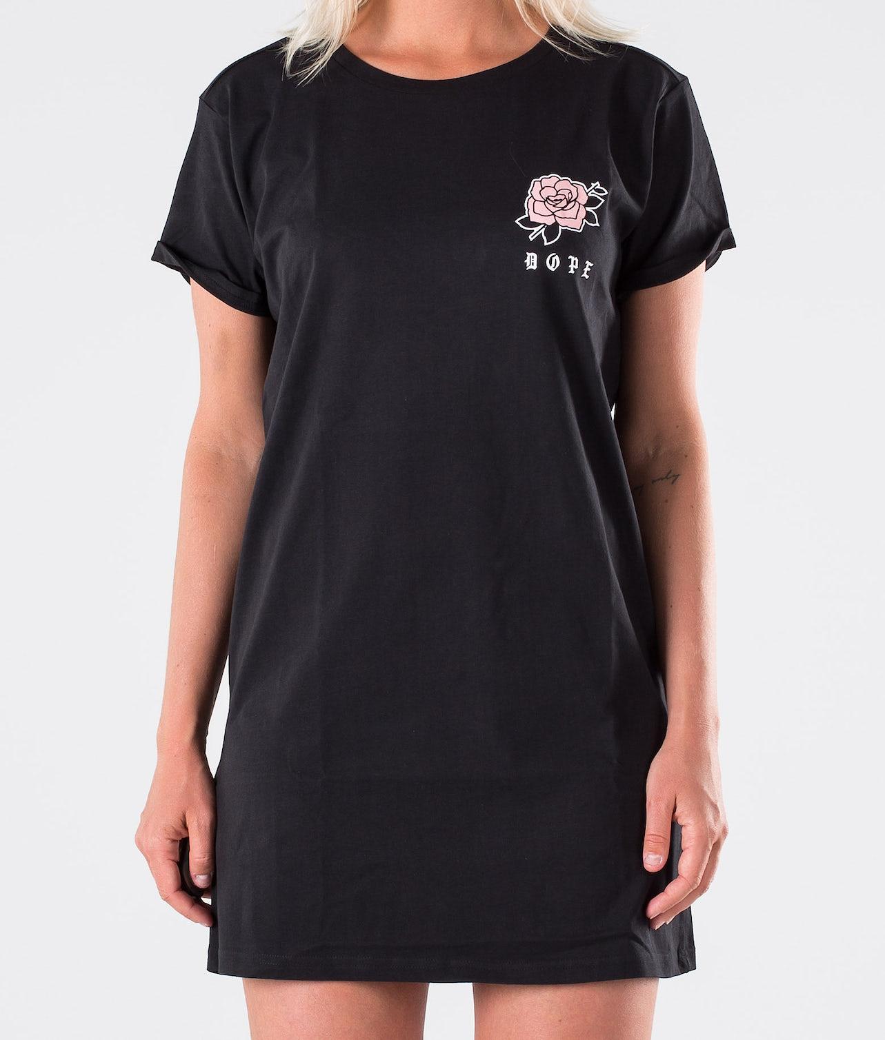 Kjøp Rose Dress Kjole fra Dope på Ridestore.no - Hos oss har du alltid fri frakt, fri retur og 30 dagers åpent kjøp!