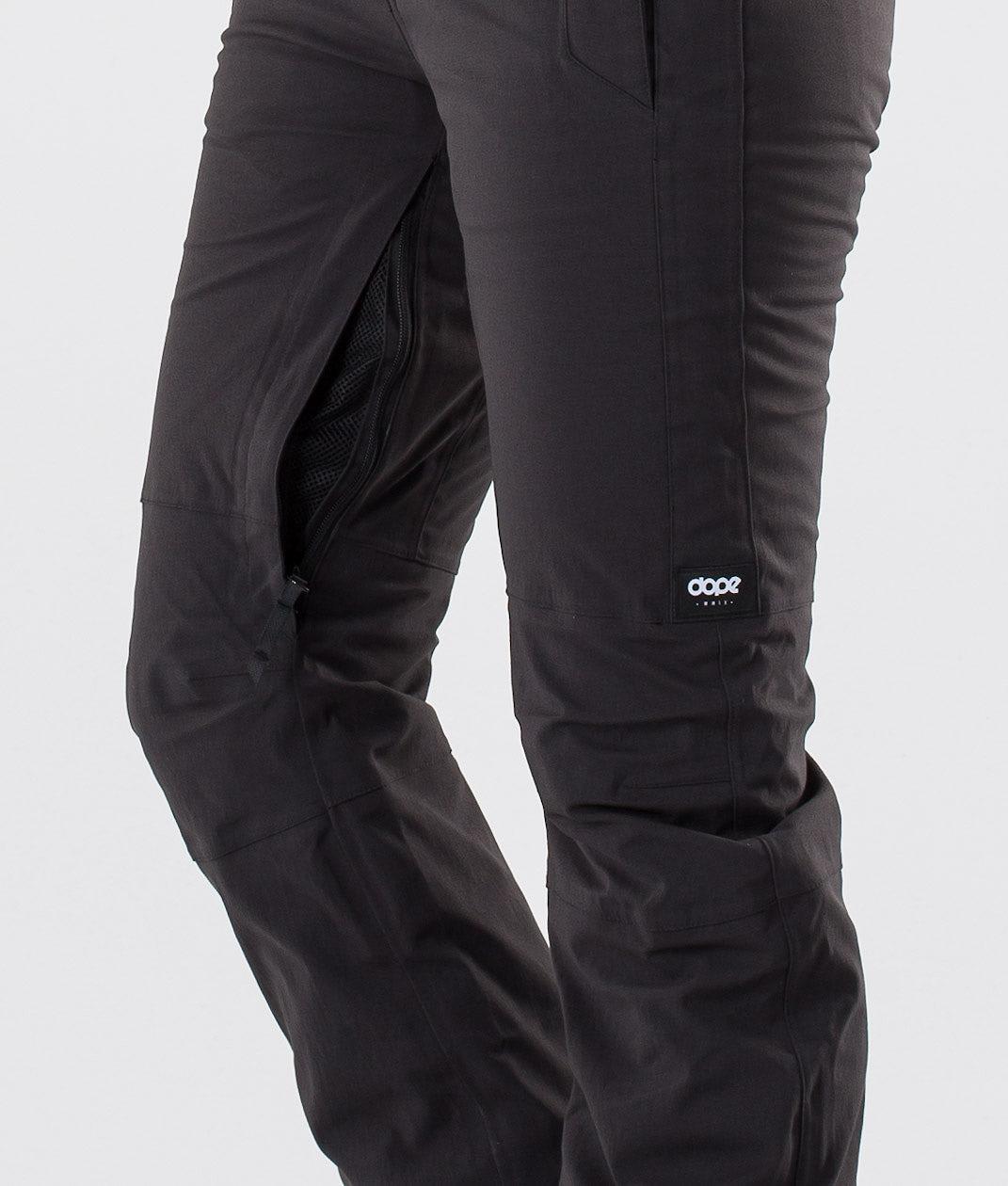 Kjøp Con Snowboardbukse fra Dope på Ridestore.no - Hos oss har du alltid fri frakt, fri retur og 30 dagers åpent kjøp!