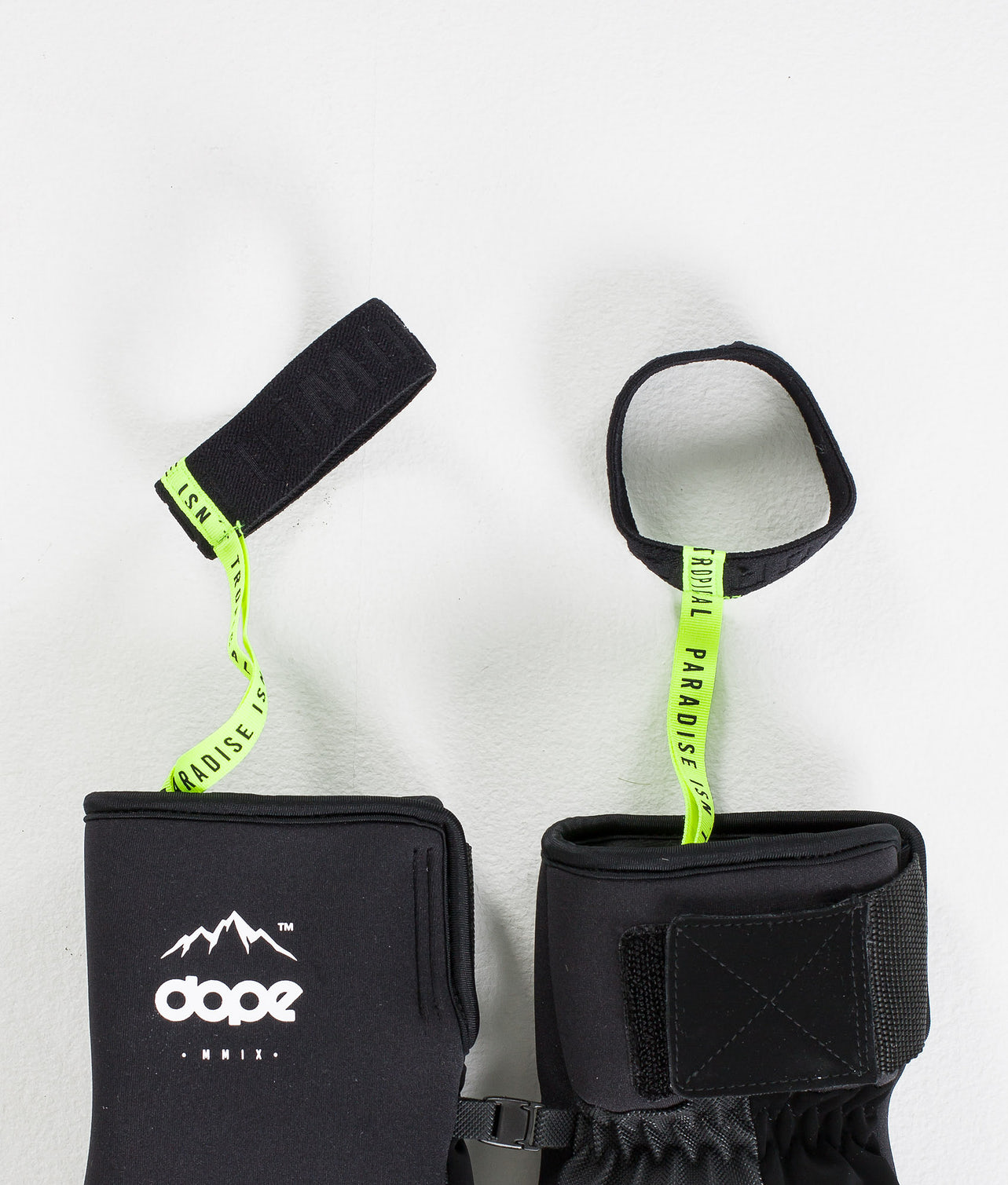 Buy Ace Mitt Ski Gloves from Dope at Ridestore.com - Always free shipping, free returns and 30 days money back guarantee