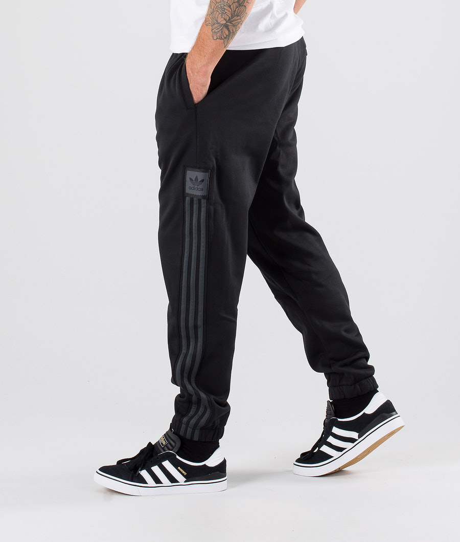 Adidas Skateboarding Tech Sweatpant Bukser Black/Carbon