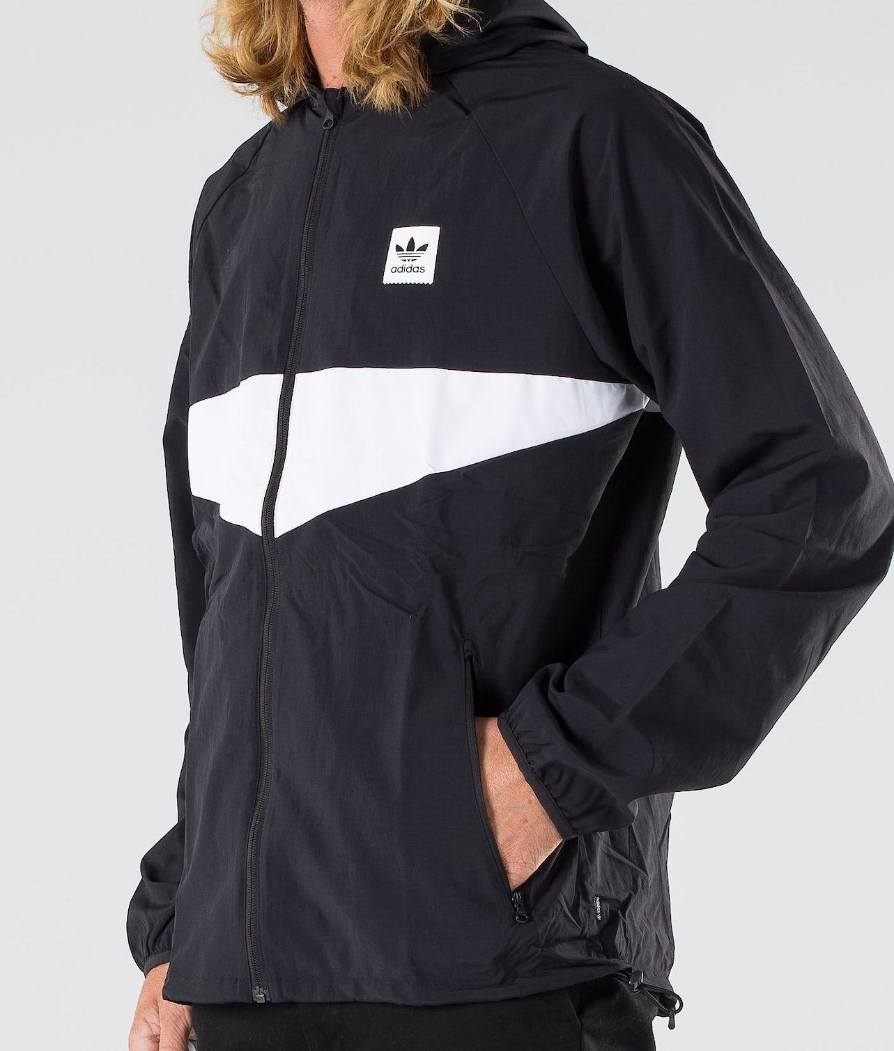 Köp Dekum Packable Wind Jacka från Adidas Skateboarding på Ridestore.se Hos oss har du alltid fri frakt, fri retur och 30 dagar öppet köp!