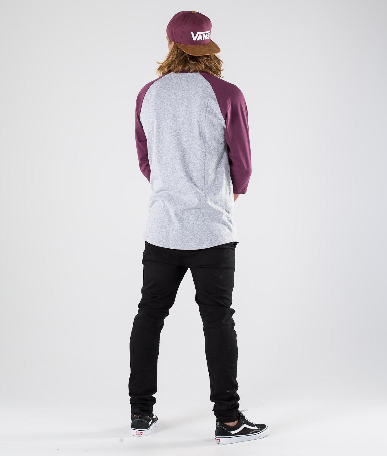 Kjøp Vans Classic Raglan T-shirt fra Vans på Ridestore.no - Hos oss har du alltid fri frakt, fri retur og 30 dagers åpent kjøp!