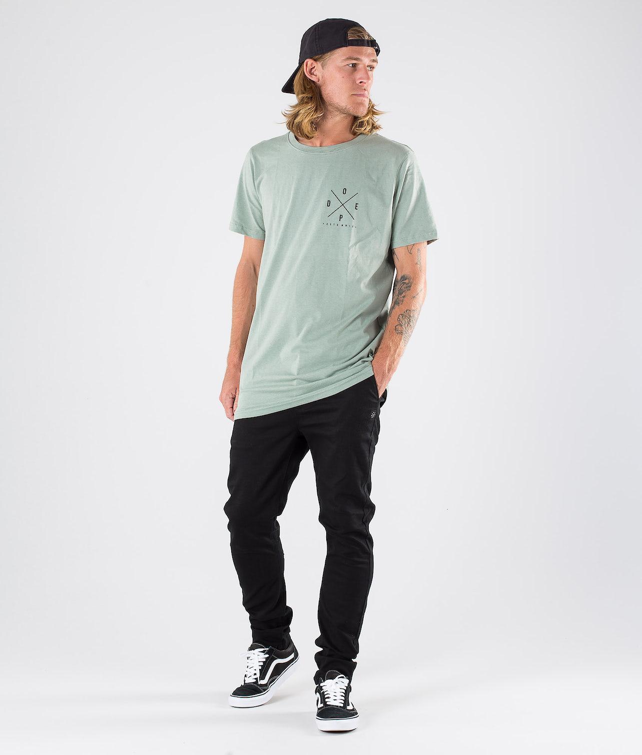 Kjøp 2X-up T-shirt fra Dope på Ridestore.no - Hos oss har du alltid fri frakt, fri retur og 30 dagers åpent kjøp!