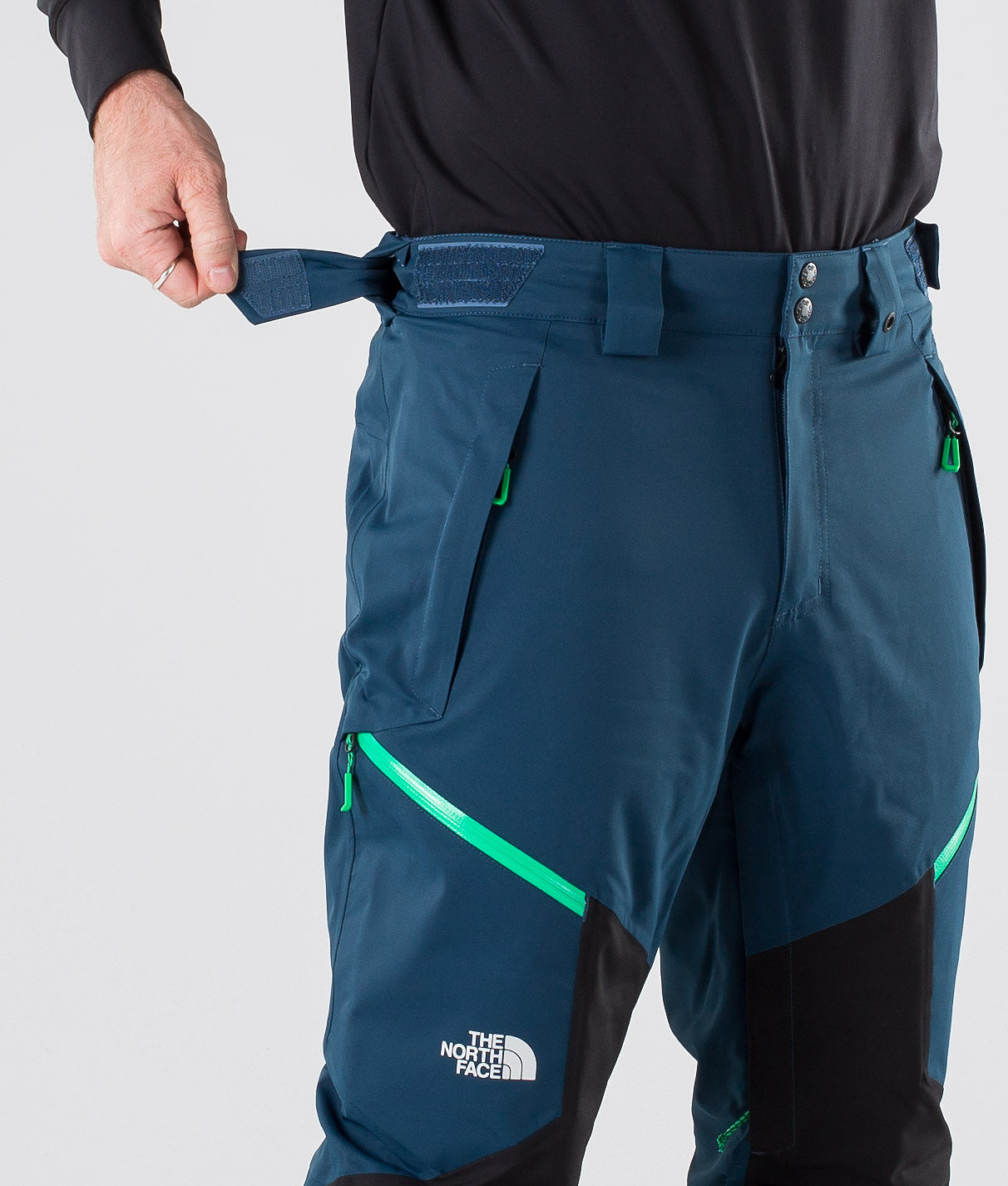Buy Chakal Snow Pants from The North Face at Ridestore.com - Always free shipping, free returns and 30 days money back guarantee