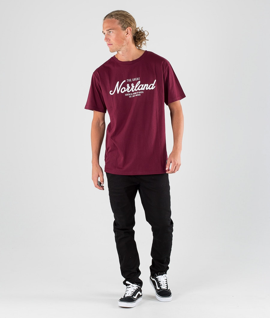 SQRTN Great Norrland T-shirt Dark Burgundy