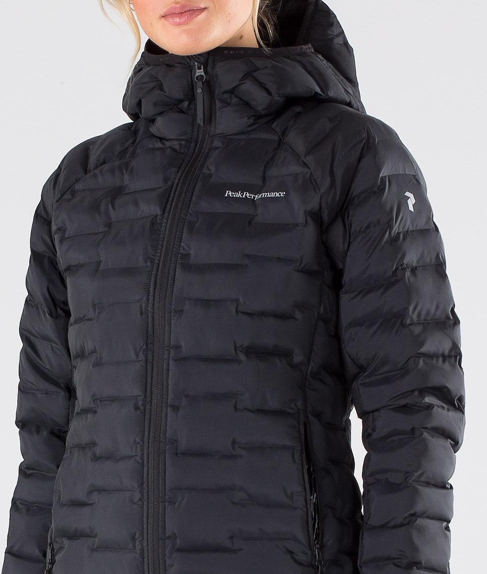 erikoismyynti ostaa myyntiin halpa myytävänä Peak Performance Argon Light Jacket Black