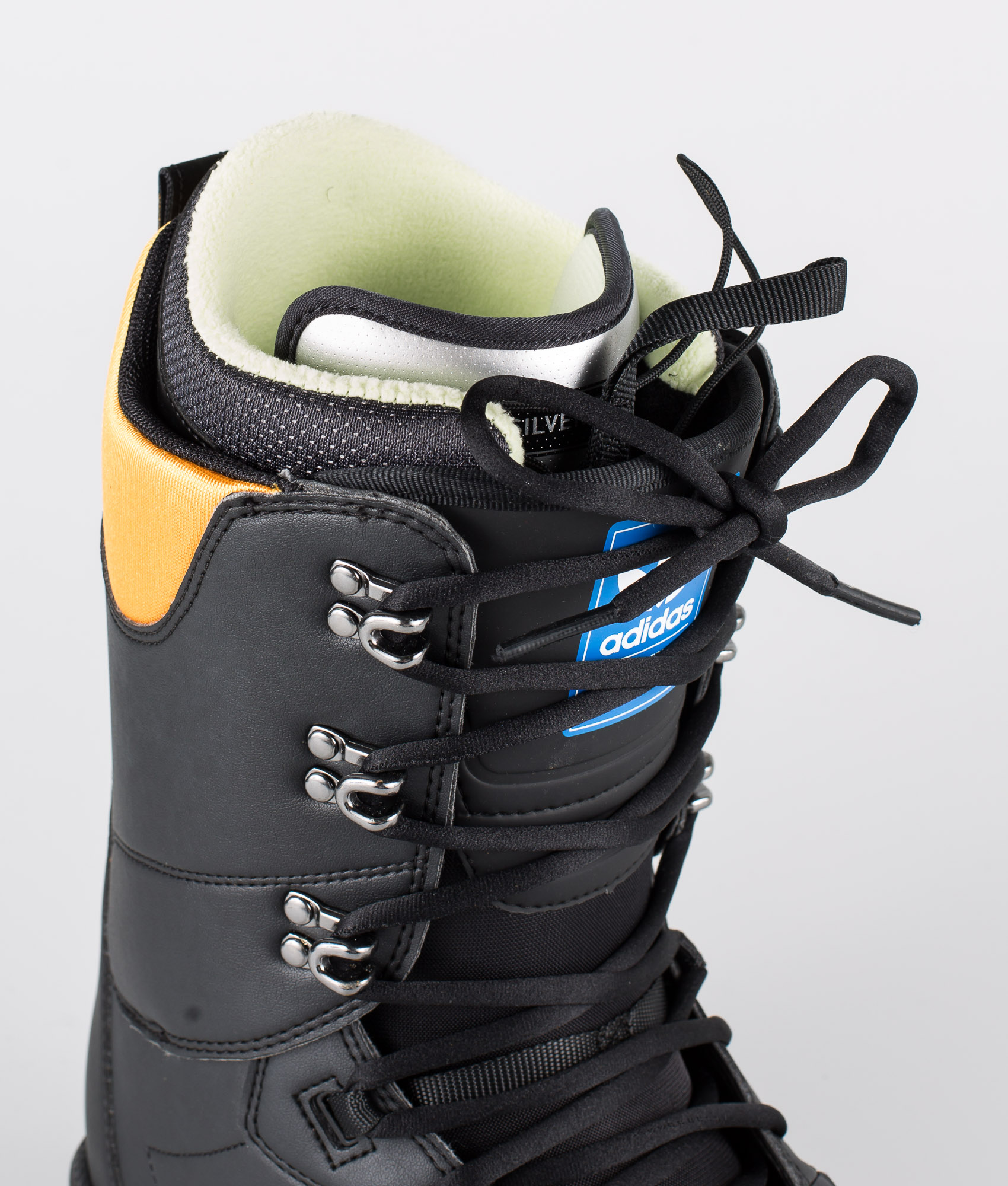 Adidas Snowboarding Samba Adv Boots Core BlackCollegiate GoldGum5